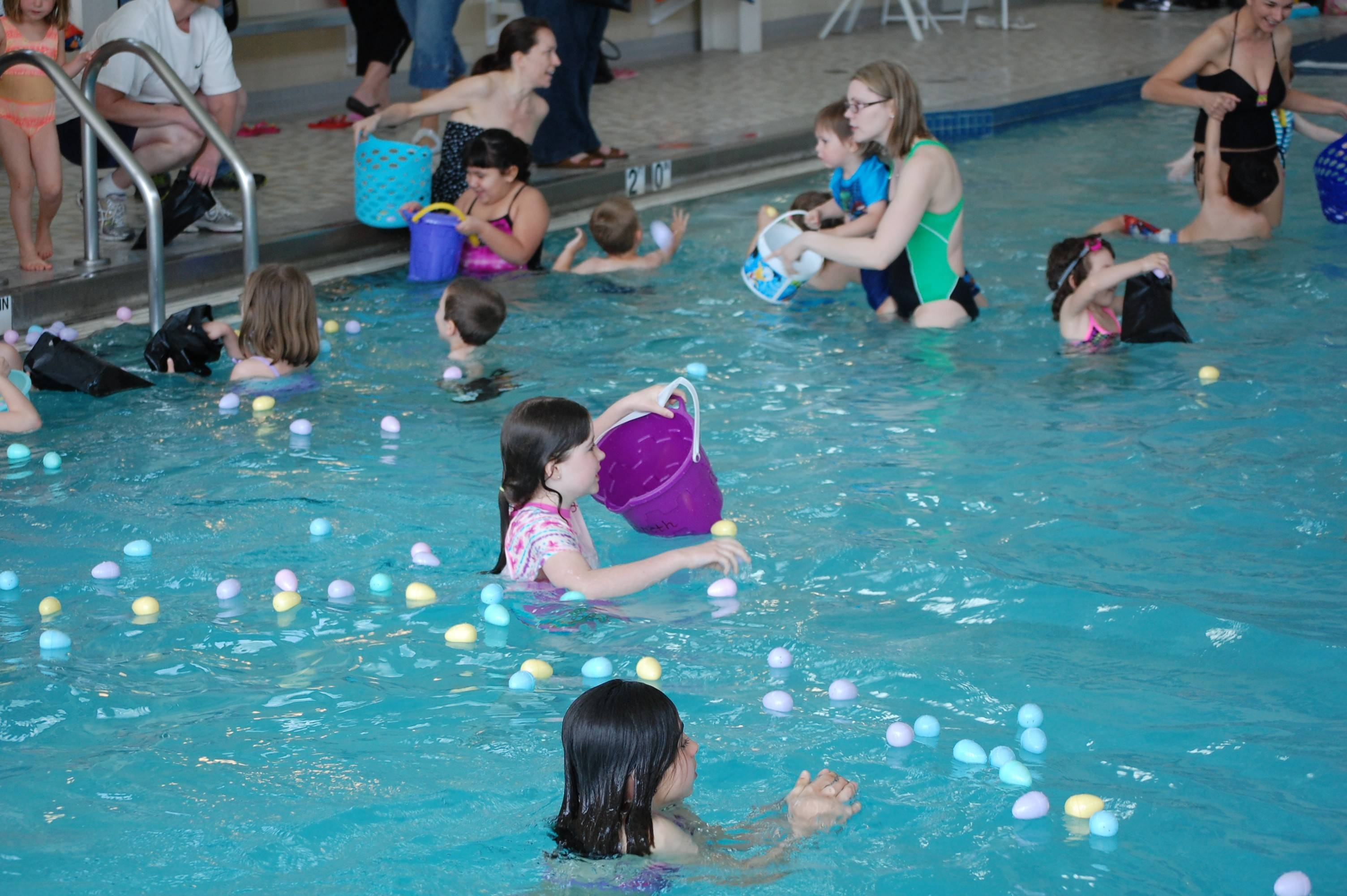 Hoffman Estates' Aqua Egg Hunt features eggs, games and a visit from the Easter Bunny.