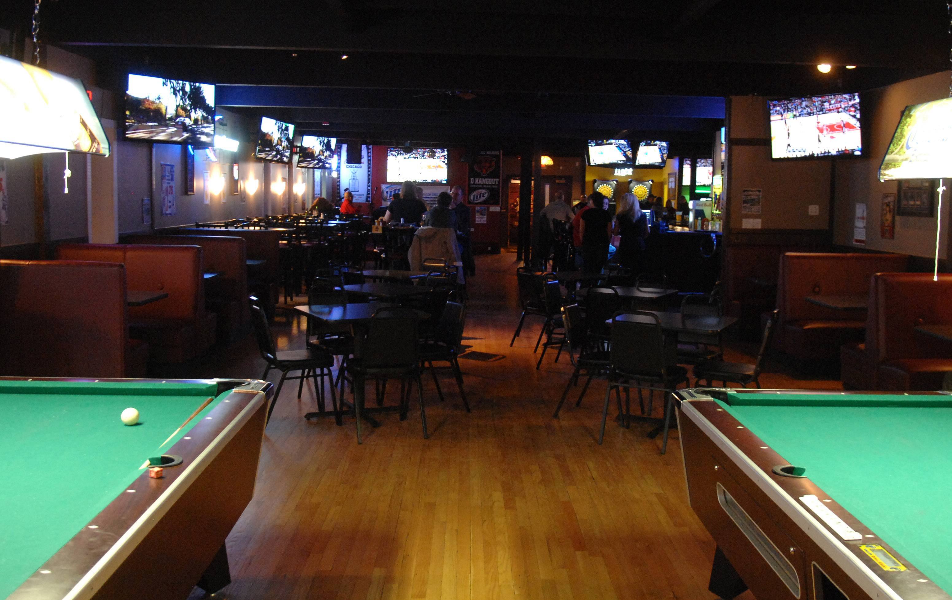 D Hangout Bar and Grill in Elgin offers pool as well as video games.