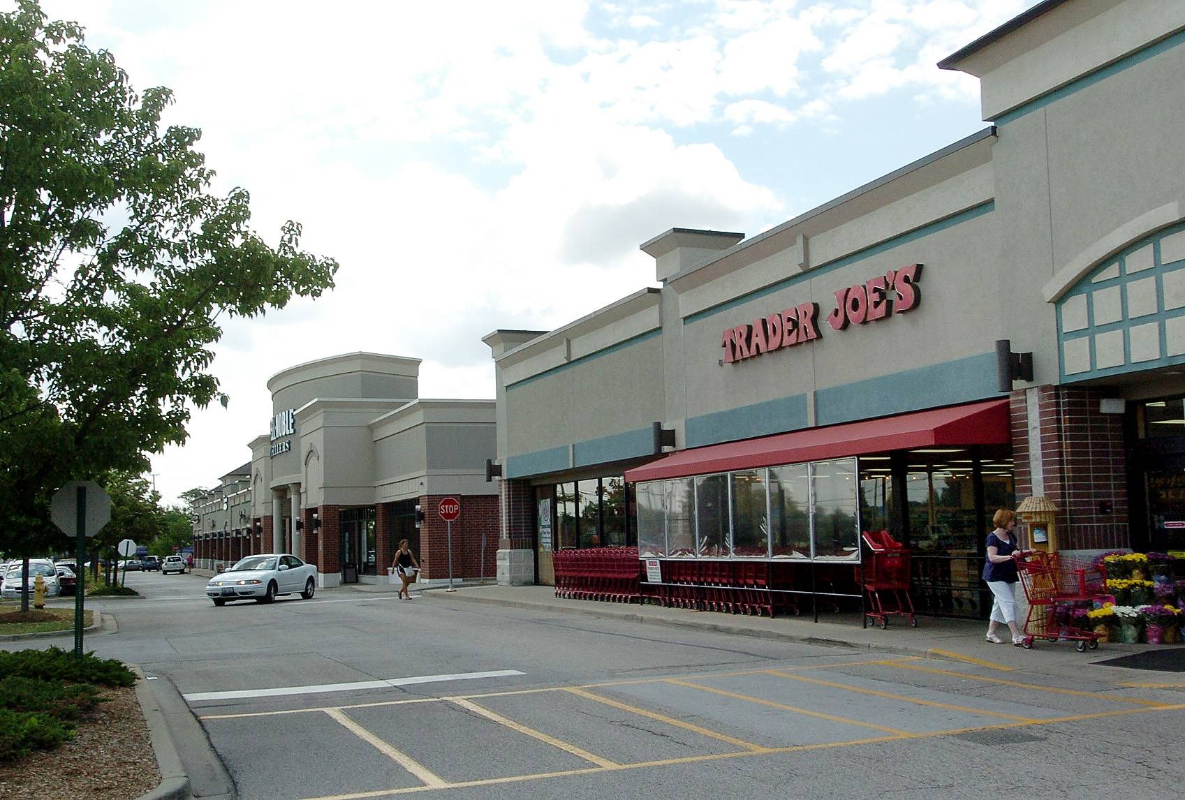 Bob Chwedyk/bchwedyk@dailyherald.com, 2011 Arlington Heights has a Trader Joe's at Rand and Arlington Hts. roads, but the village is paying for a study to create a unified look for the whole shopping area around there.