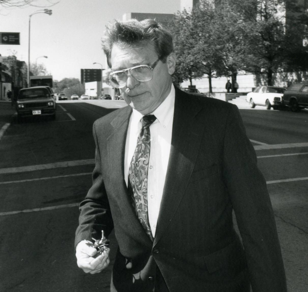 Former Libertyville trustee Donald Coulson leaves the Lake County courthouse in 1994.