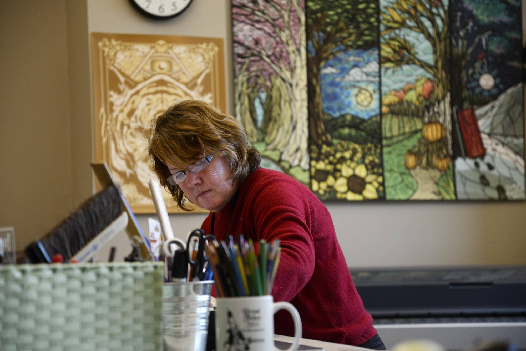 Moving Picture: Elgin library artist builds cityscape