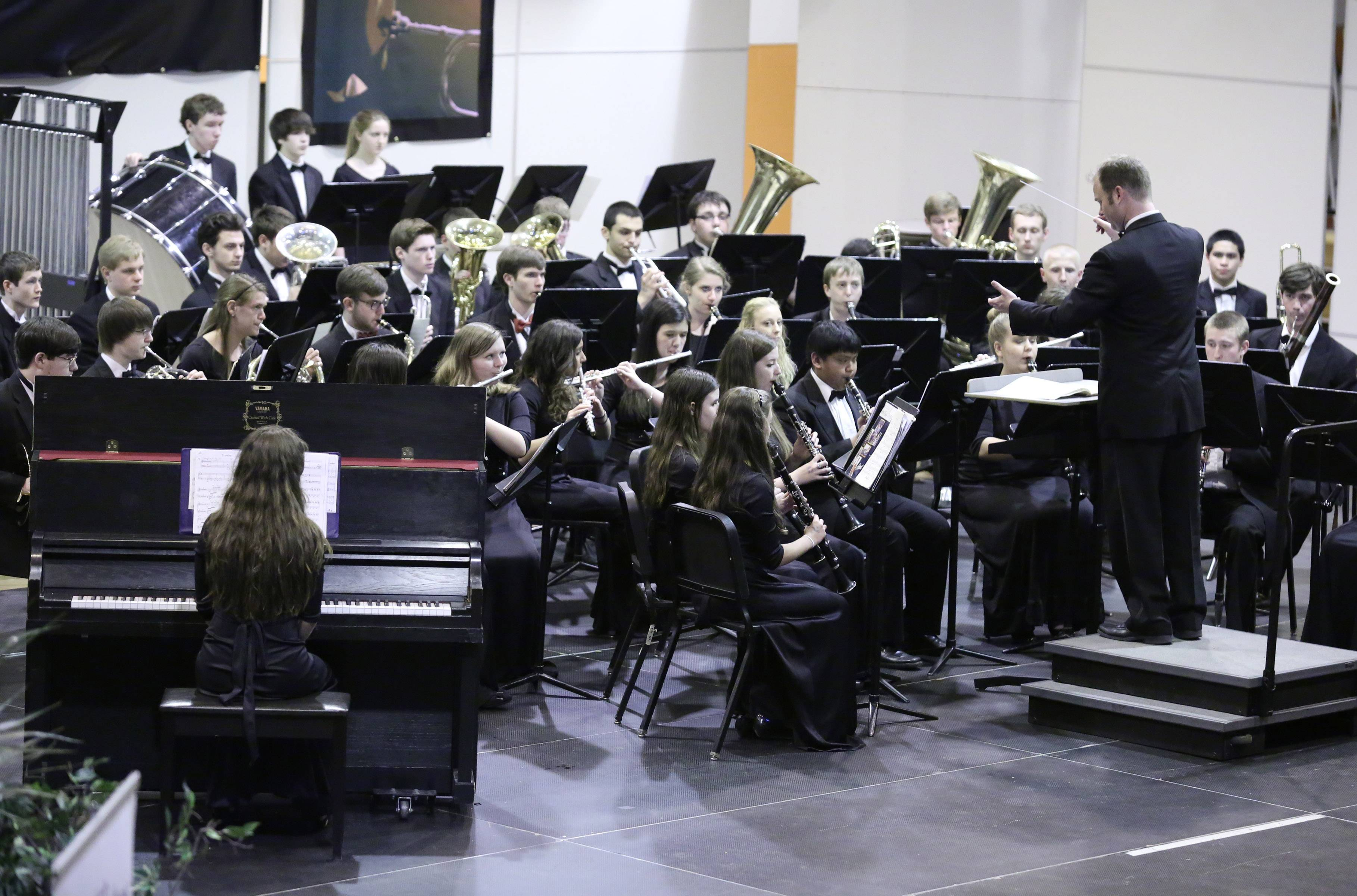 Maine South High School wind ensemble students snagged a performance Saturday at the 14th Annual Chicagoland Invitational.