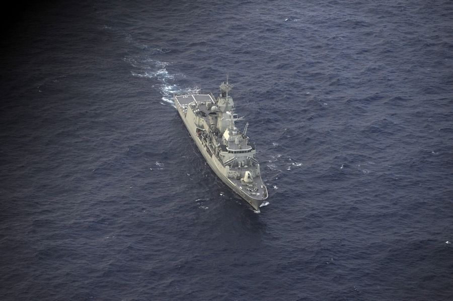 Robotic submarine deployed in search for Malaysian plane