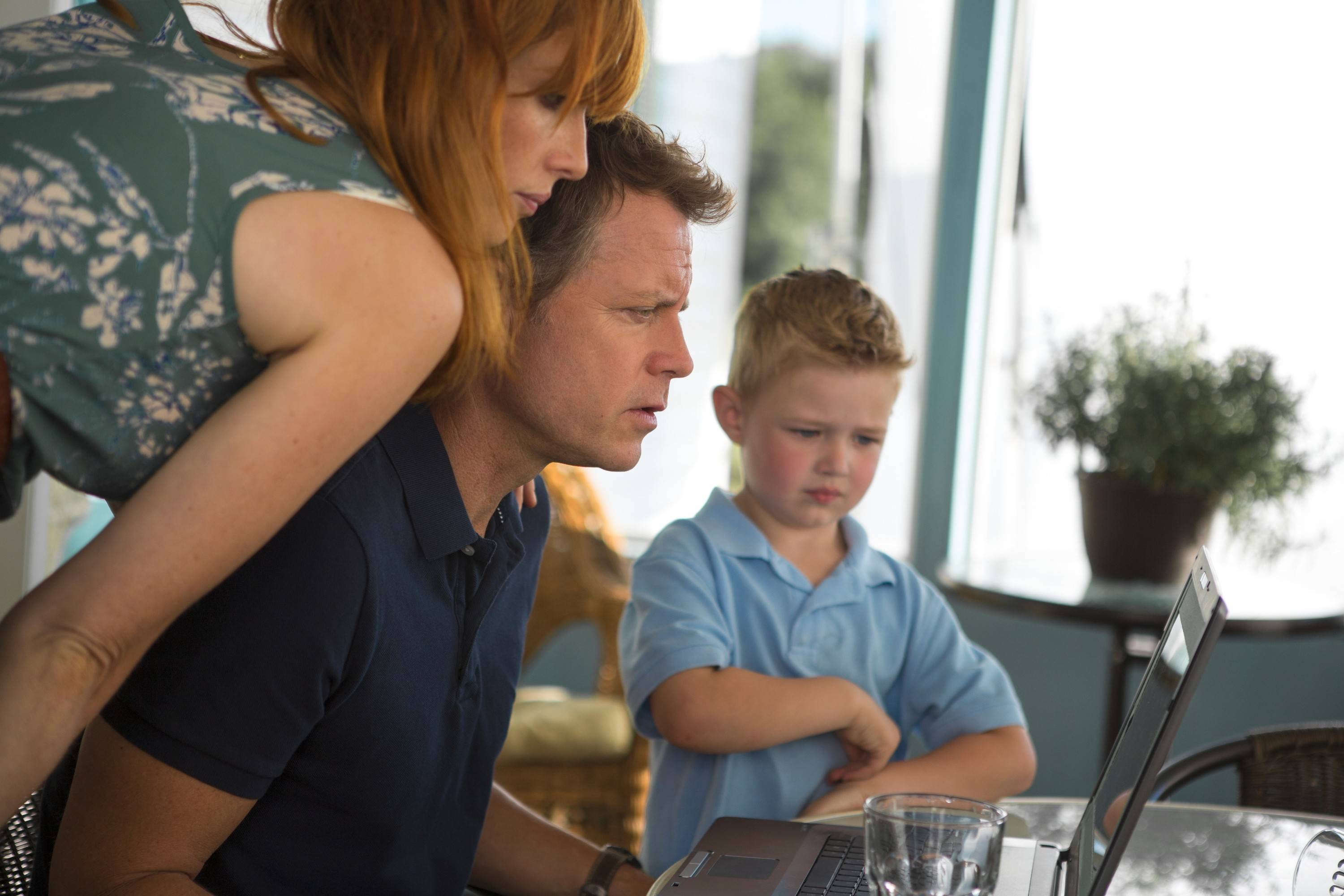 "Sonja Burpo (Kelly Reilly), Todd Burpo (Greg Kinnear) and their son Colton (Connor Corum) try to confirm the boy's story he visited heaven in ""Heaven is for Real."""
