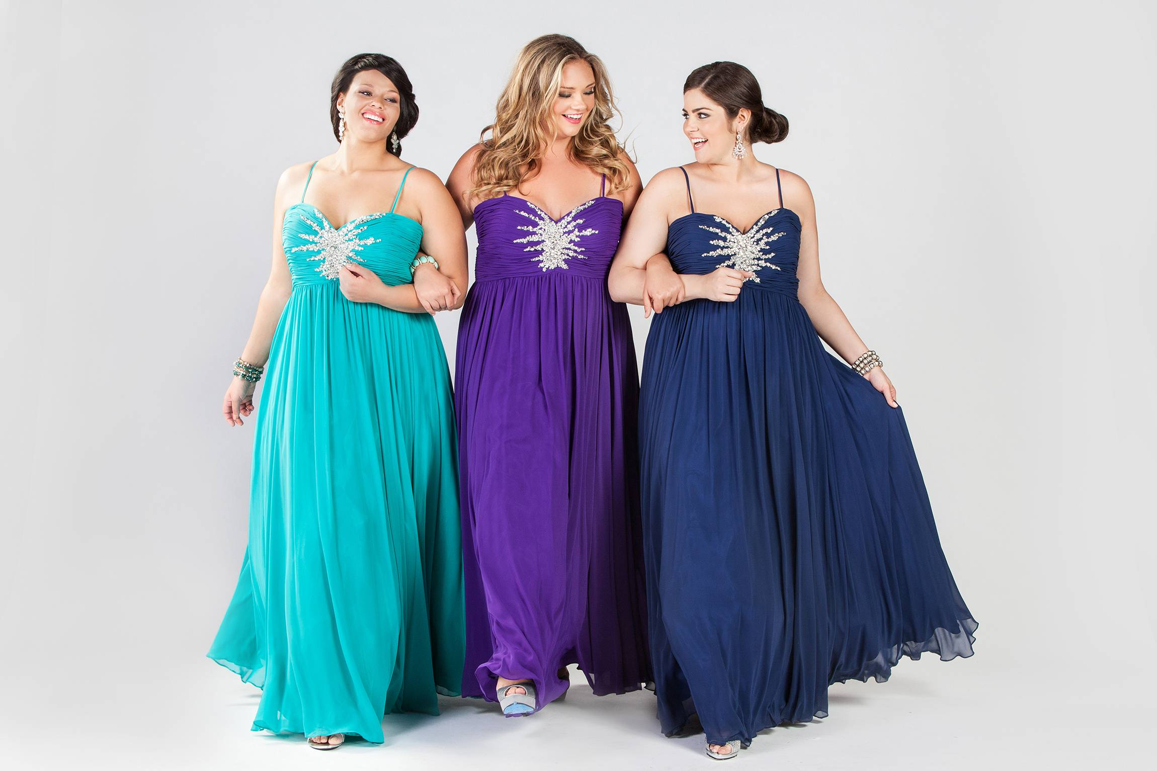 Clothes shopping for plus size teens can be frustrating in general, but shopping for a dream prom dress can be a tear-inducing, hair-pulling morass of bad design and few options -- especially for girls who want a dress that hugs the body instead of tenting it.