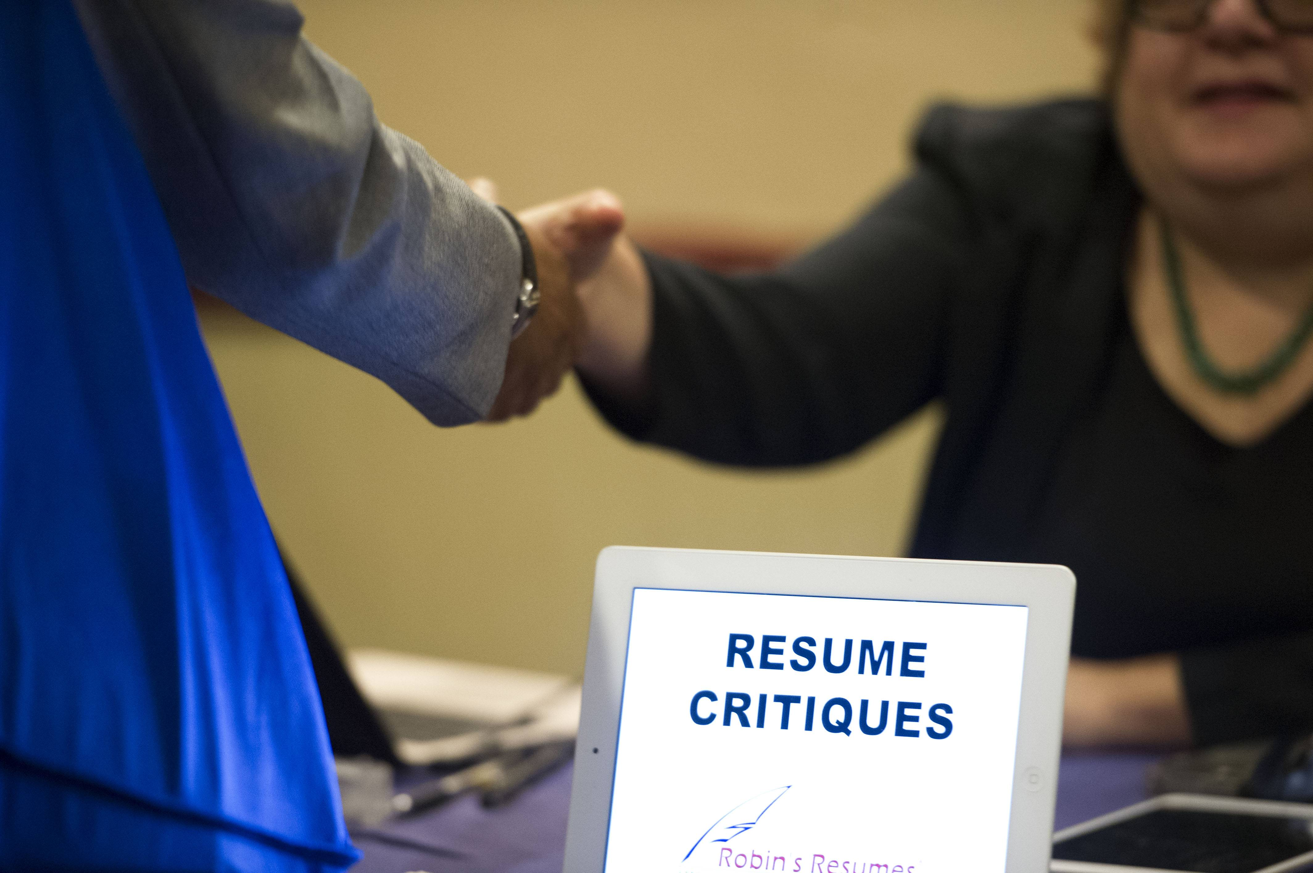 The number of people seeking U.S. unemployment benefits last week rose 2,000 to a seasonally adjusted 304,000. Jobless claims continue to be near pre-recession levels despite the slight increase.
