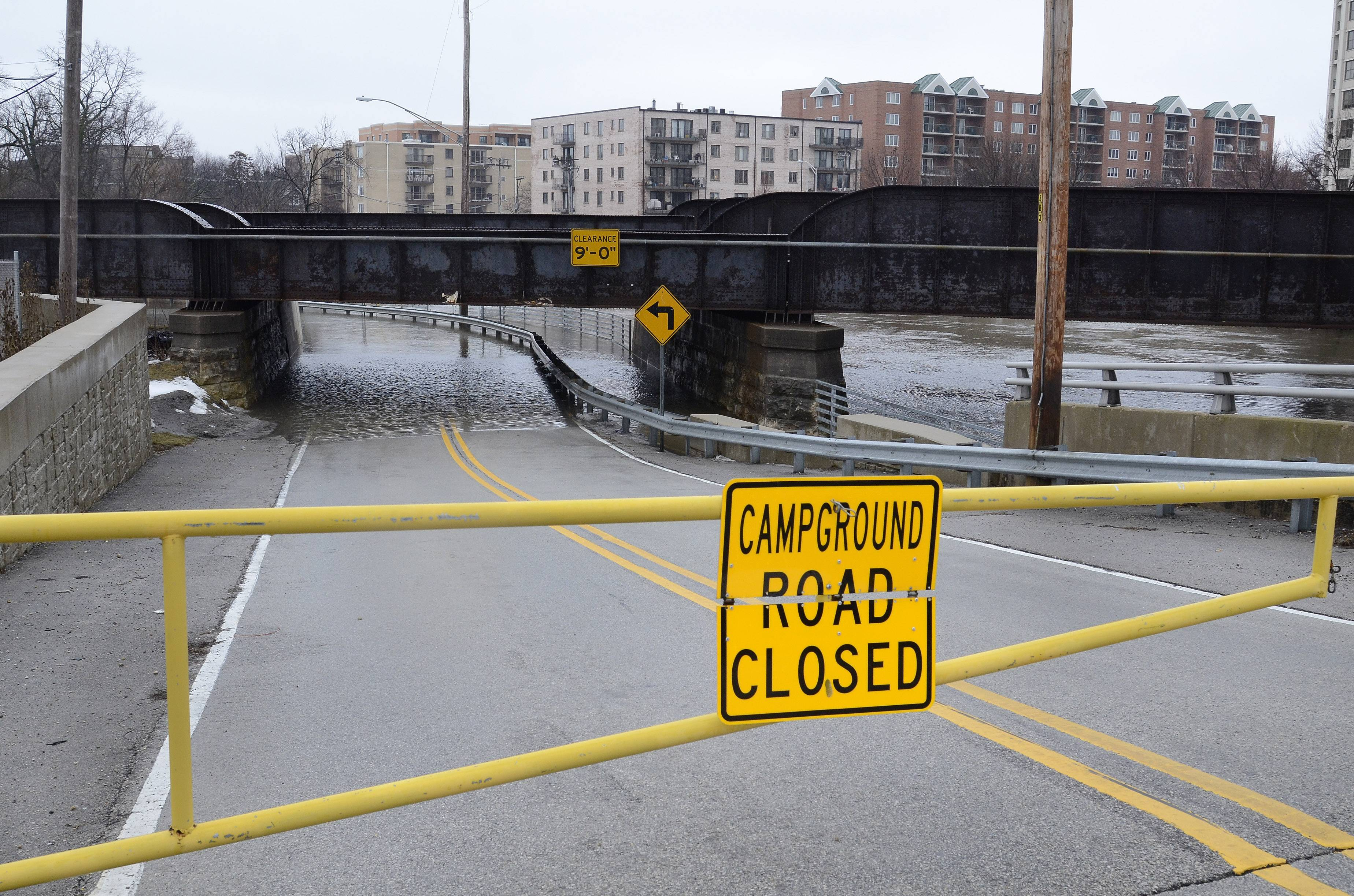 Campground Road in Des Plaines closed along the Des Plaines River.