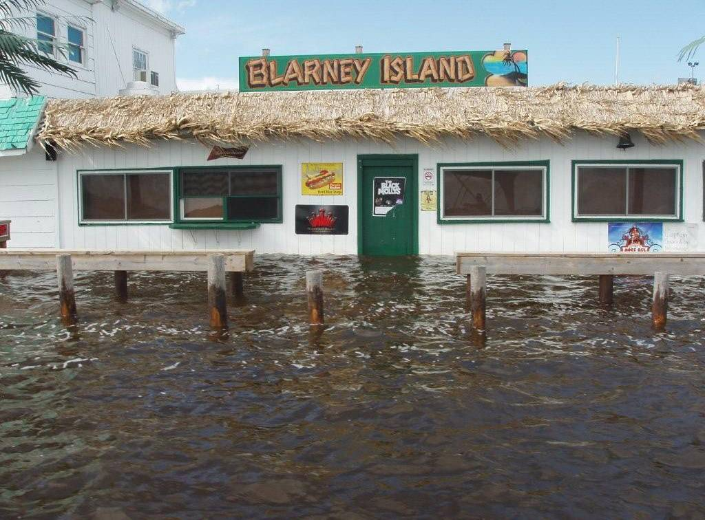 Blarney Island being raised above Chain flood levels