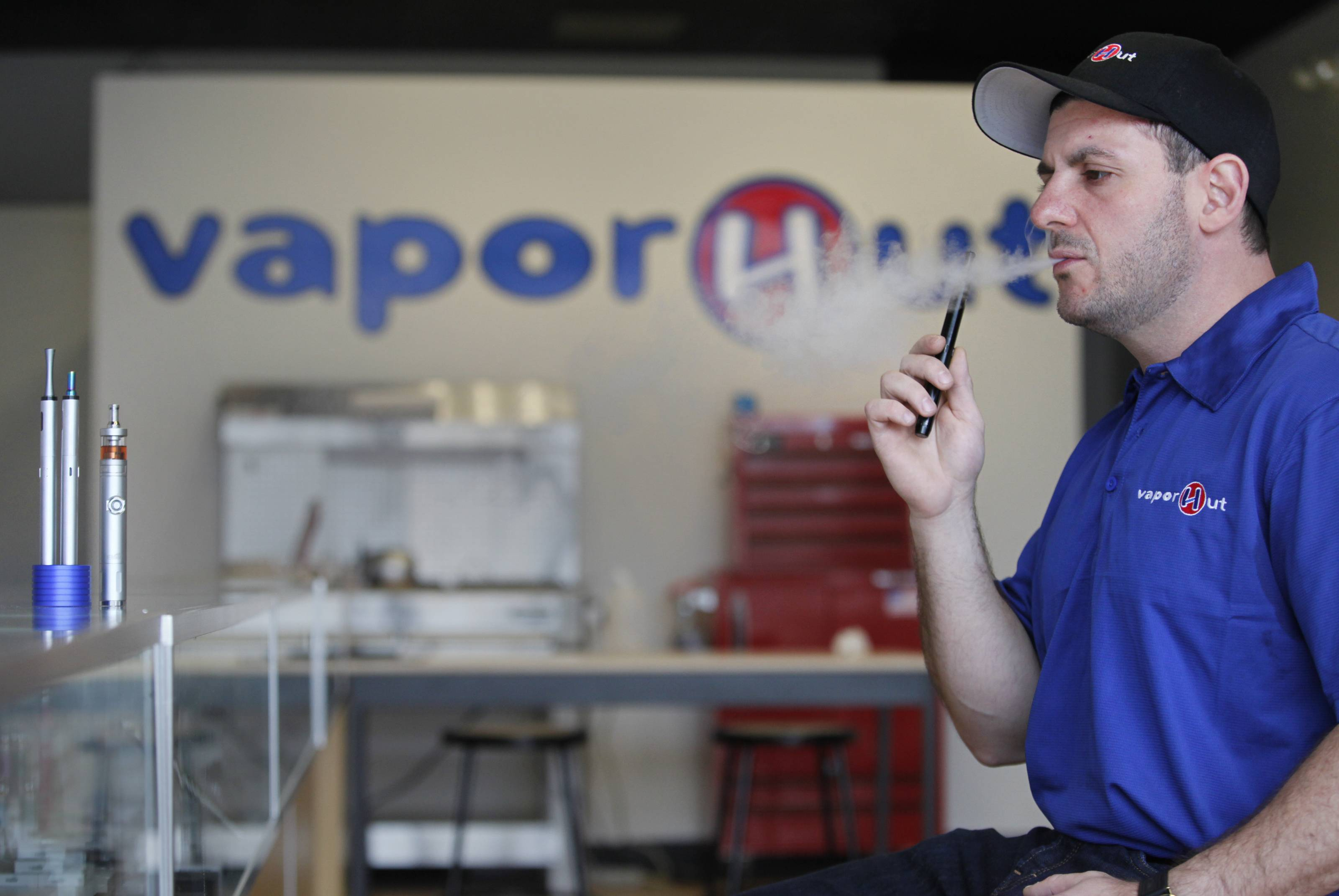 E-cigarette store opens second location in Algonquin