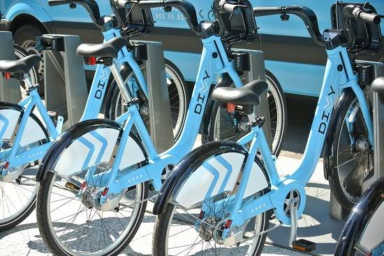 "Mayor Rahm Emanuel has declared this week ""Divvy Week."" It's part of a push to get more residents, commuters and tourists to rent the blue Divvy bikes from hundreds of docking stations across the city."