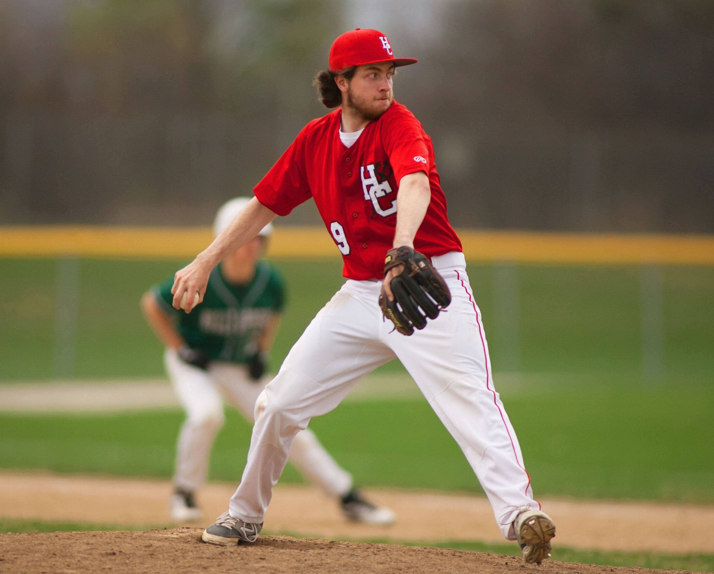Hinsdale Central's Charlie Banke shuts down Glenbard West, salvaging the final game of the series.