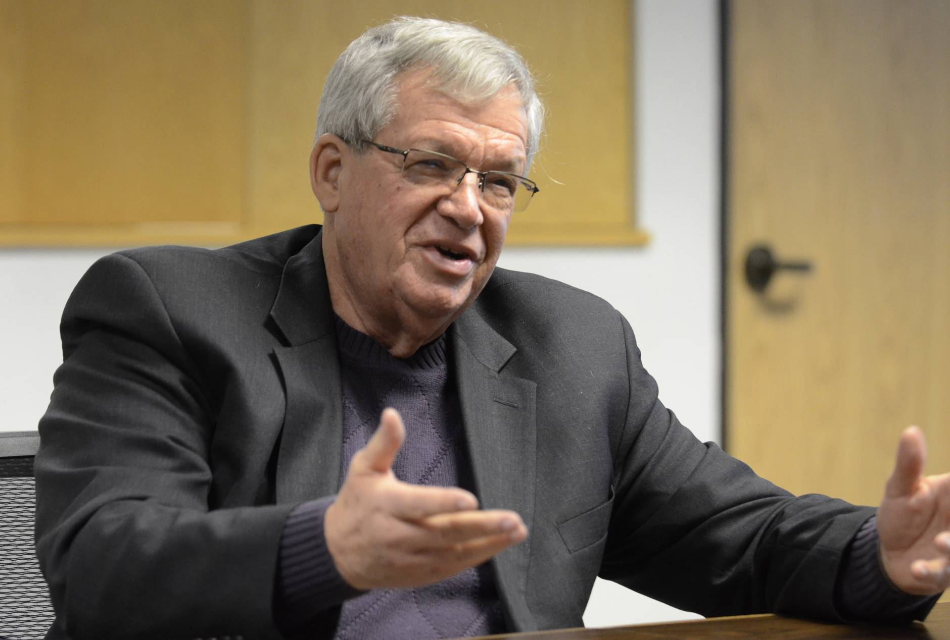 Hastert among Republicans supporting immigration reform