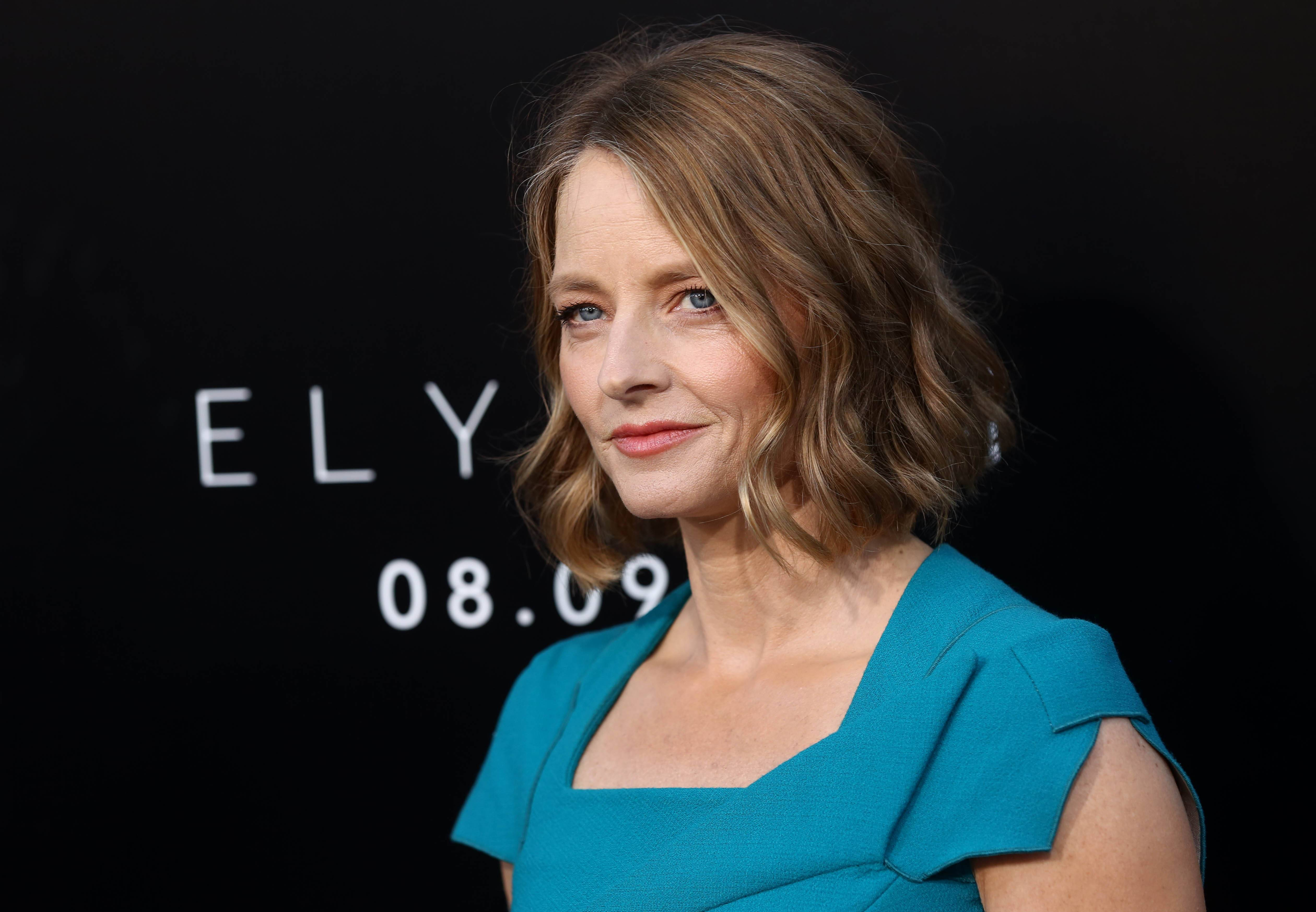 A representative for Jodie Foster confirms that she wed girlfriend Alexandra Hedison over the weekend. Publicist Jennifer Allen offered no other details Wednesday.