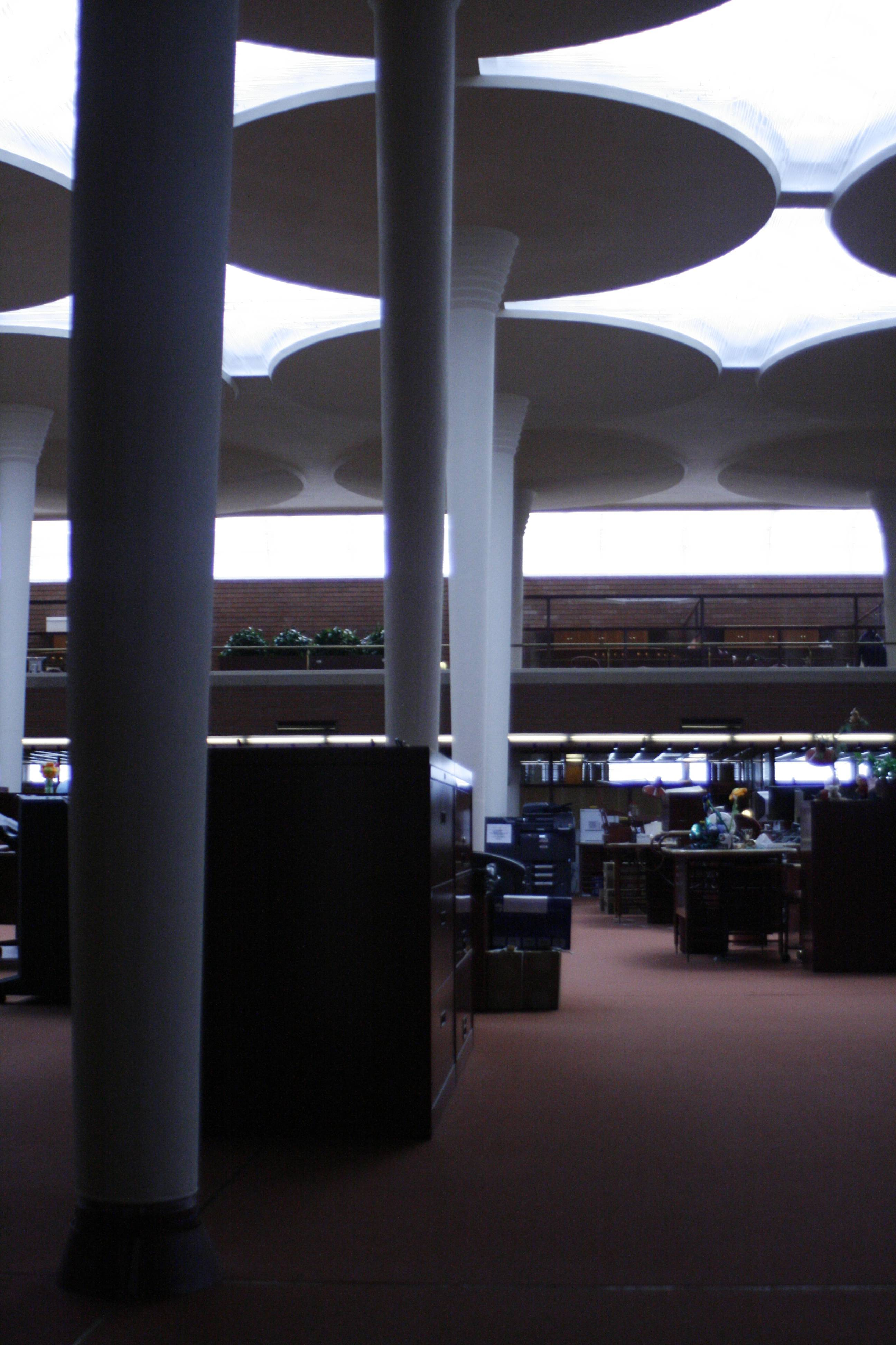 Architect Frank Lloyd Wright used the lily pad-like pillars in the great room of the SC Johnson Administration Building to support the structure, allowing him to create exterior walls of glass that provide a lot of natural light.