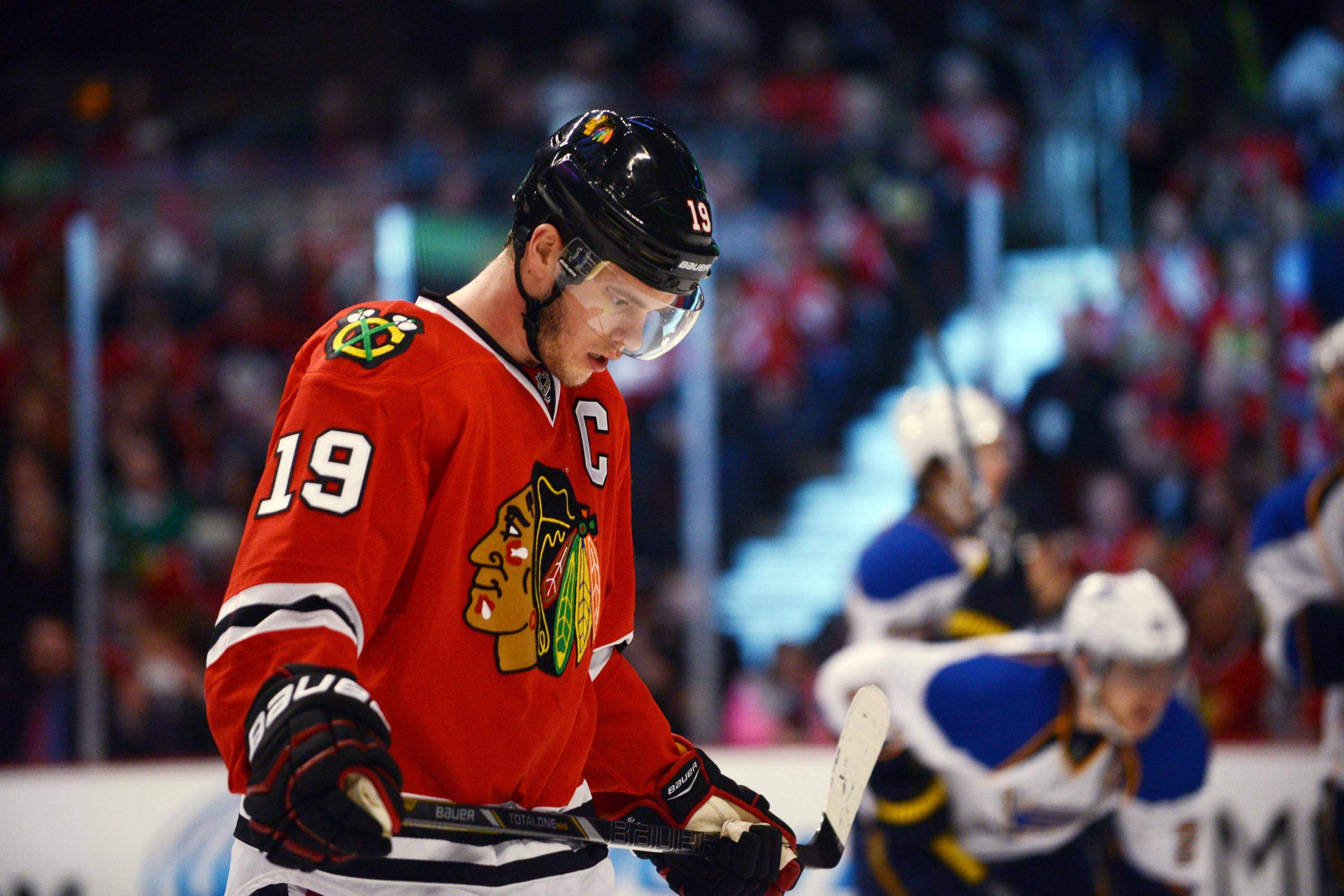 Chicago Blackhawks center Jonathan Toews reacts during a time out in the first period.