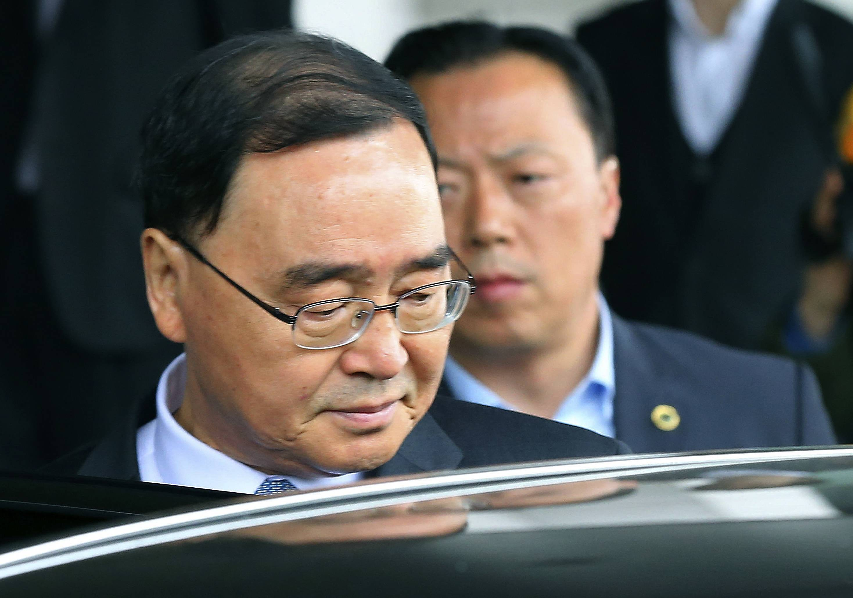 South Korea prime minister quits over sunken ferry
