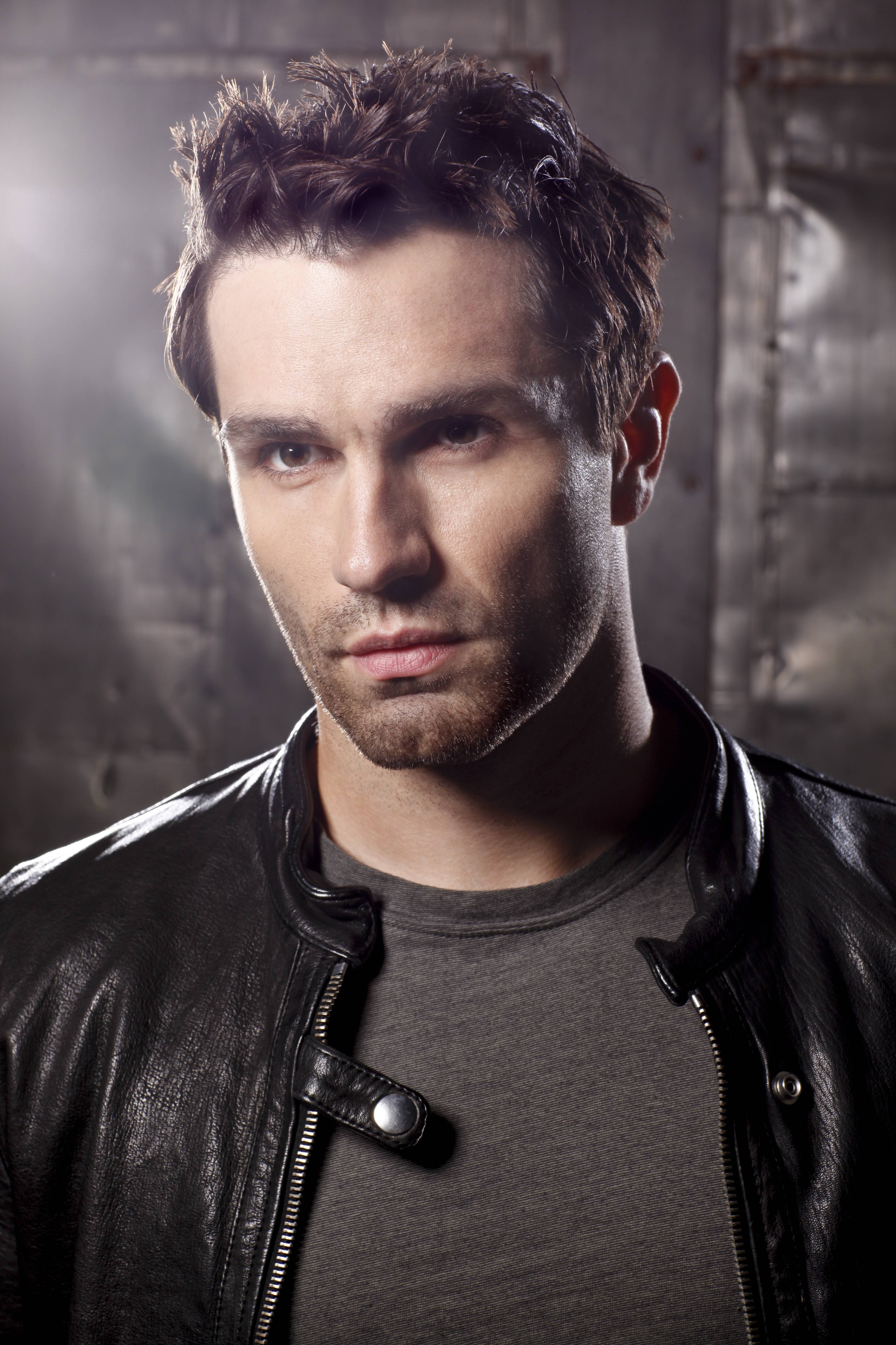 "Actor and musician Sam Witwer, a Glenview native, starred in Syfy's ""Being Human."""
