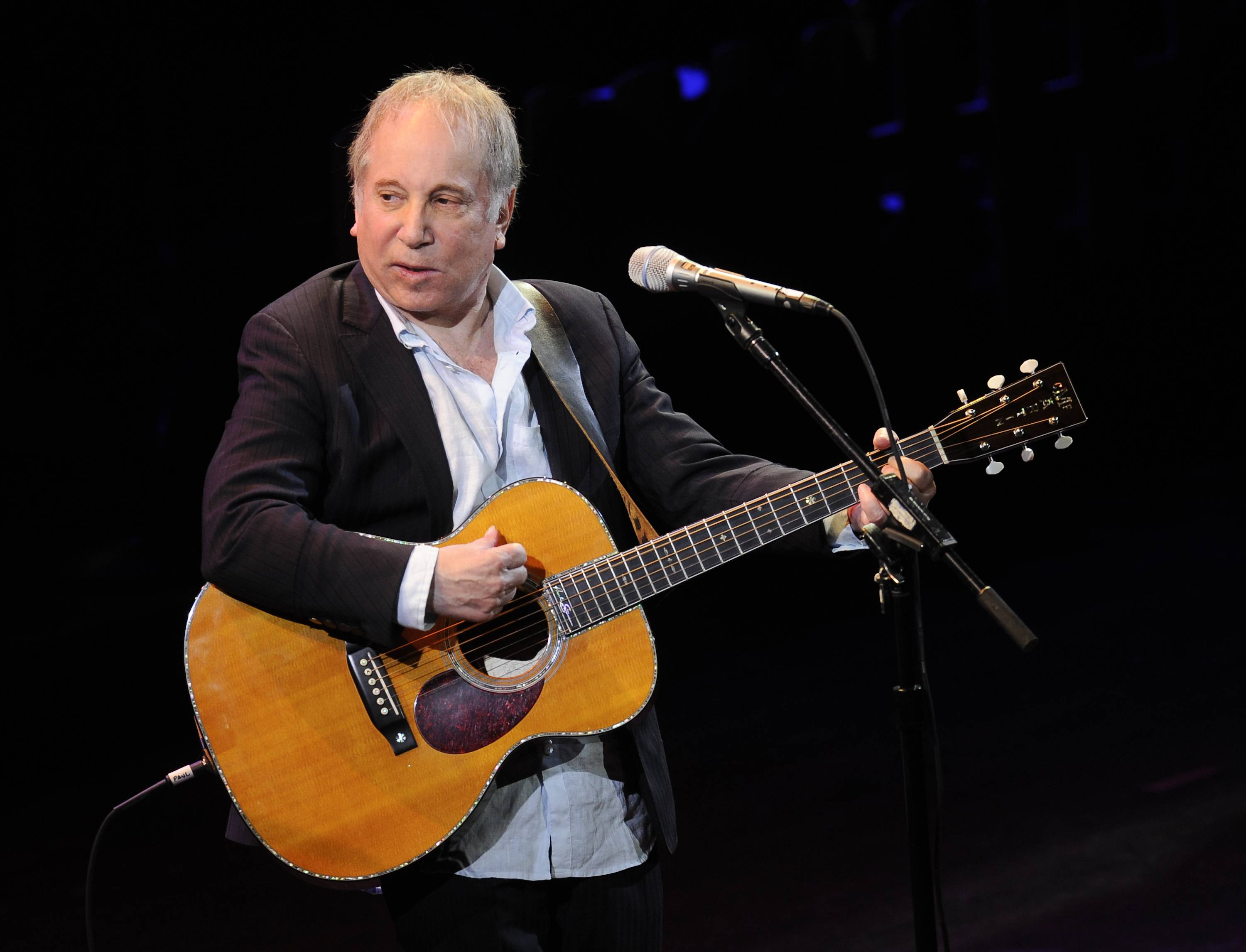Police in Connecticut say Paul Simon and his wife, singer Edie Brickell, have been arrested on disorderly conduct charges. A New Canaan police spokeswoman provided no other details, except to say the arrests stemmed from an incident Saturday.