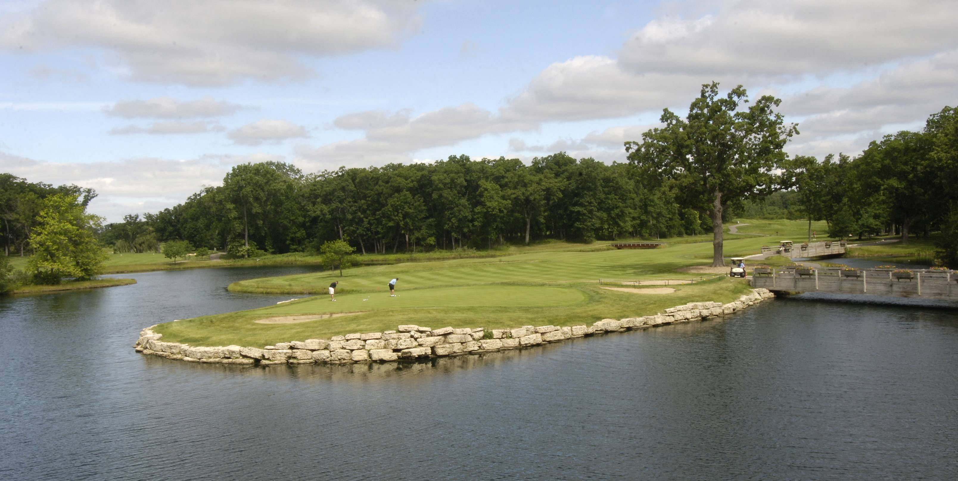The ninth green of the Lakeside course at Cantigny Golf Course.