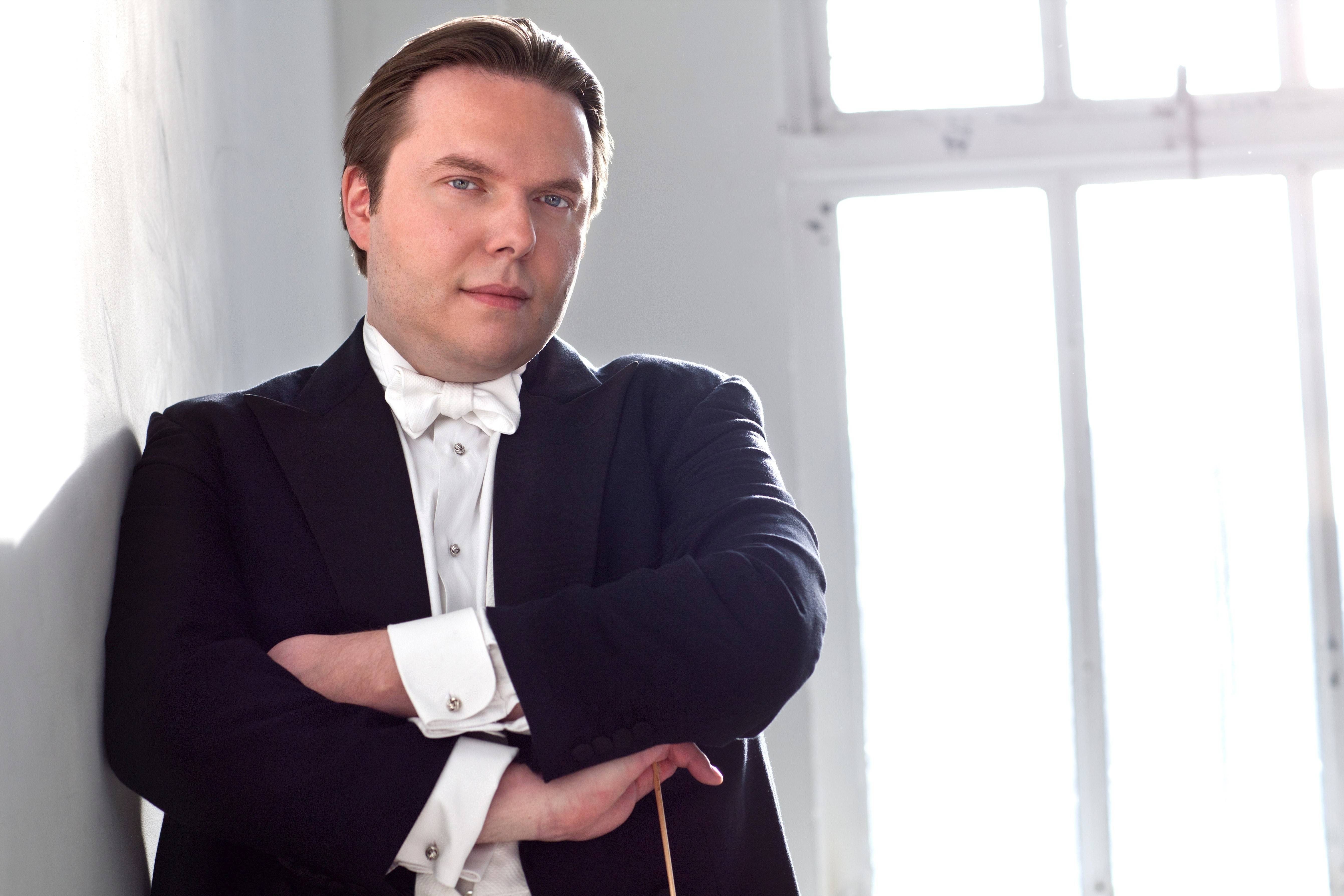 Conductor and pianist Ignat Solzhenitsyn will perform with the Elgin Symphony Orchestra this weekend.