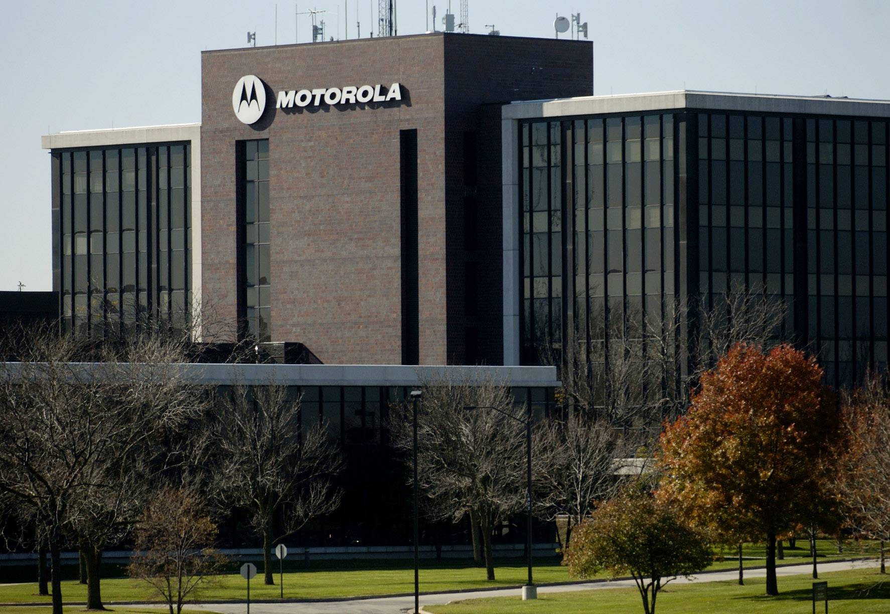 Motorola Solutions reported deeper than expected losses for the first quarter.