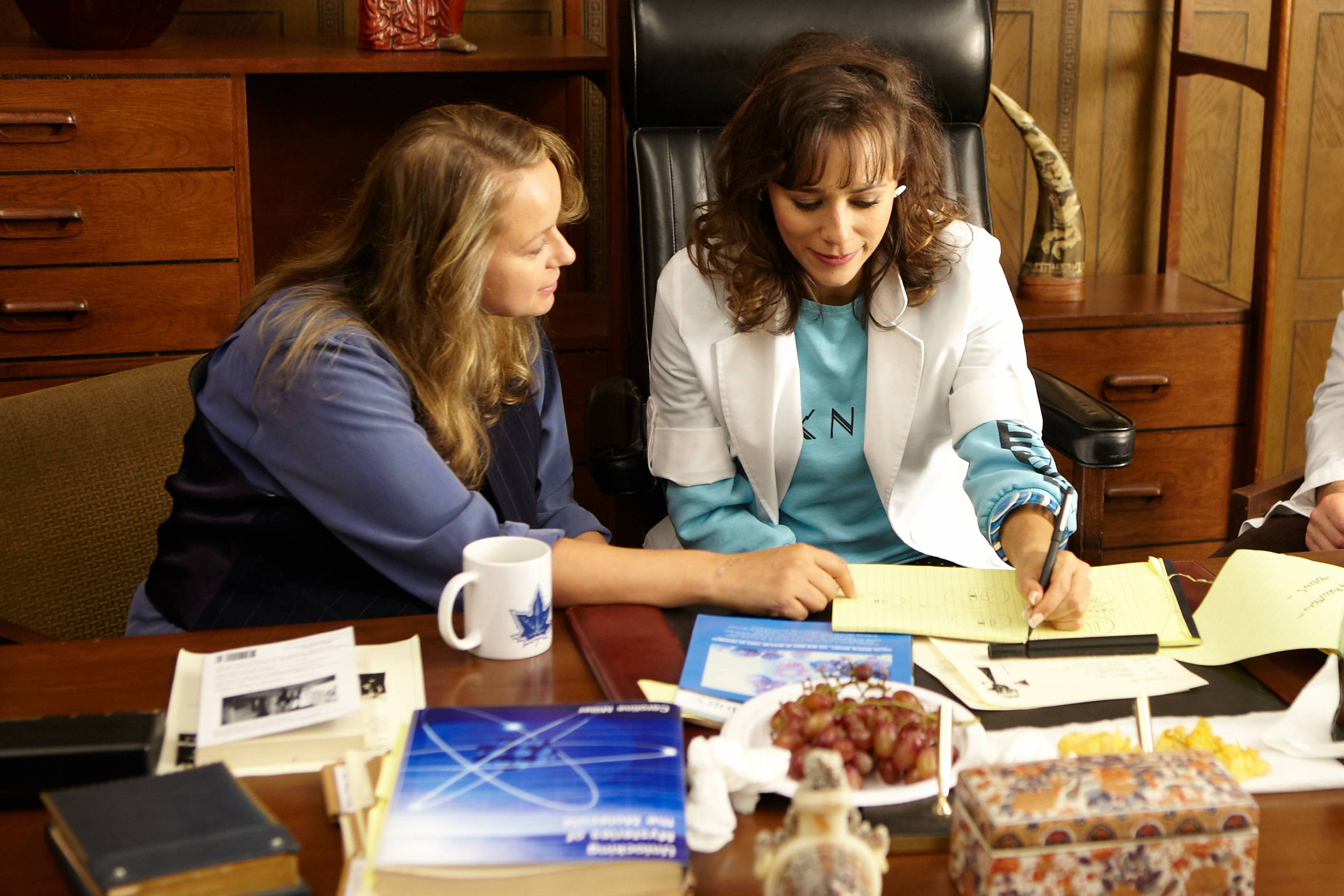 "Samantha Morton, left, and Rashida Jones star in ""Decoding Annie Parker,"" about a woman whose family is devasted by breast cancer and the search for the gene behind it."