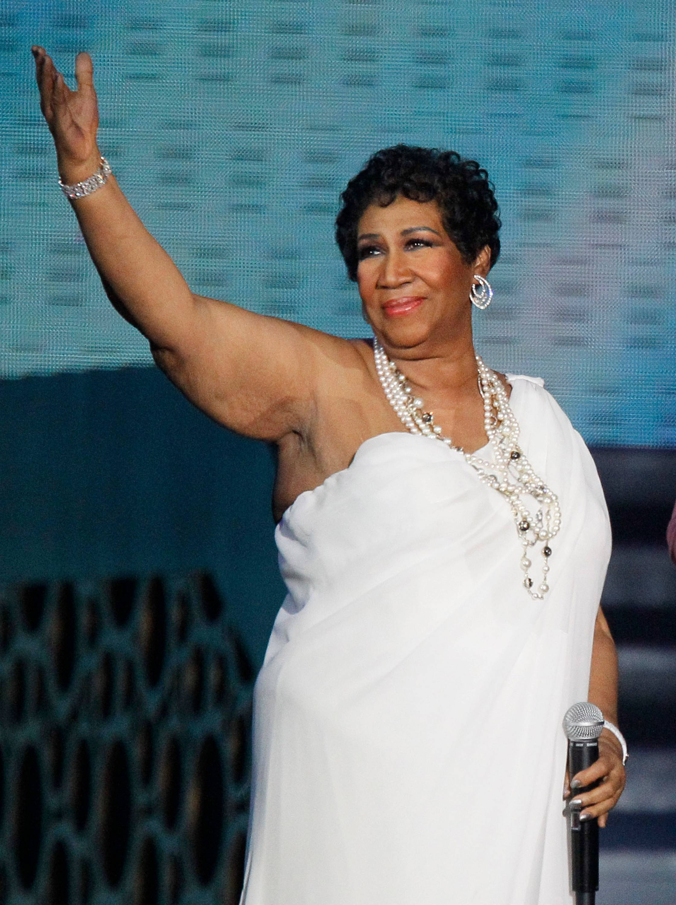 Singer Aretha Franklin performs at the Chicago Theatre on Saturday, May 3.