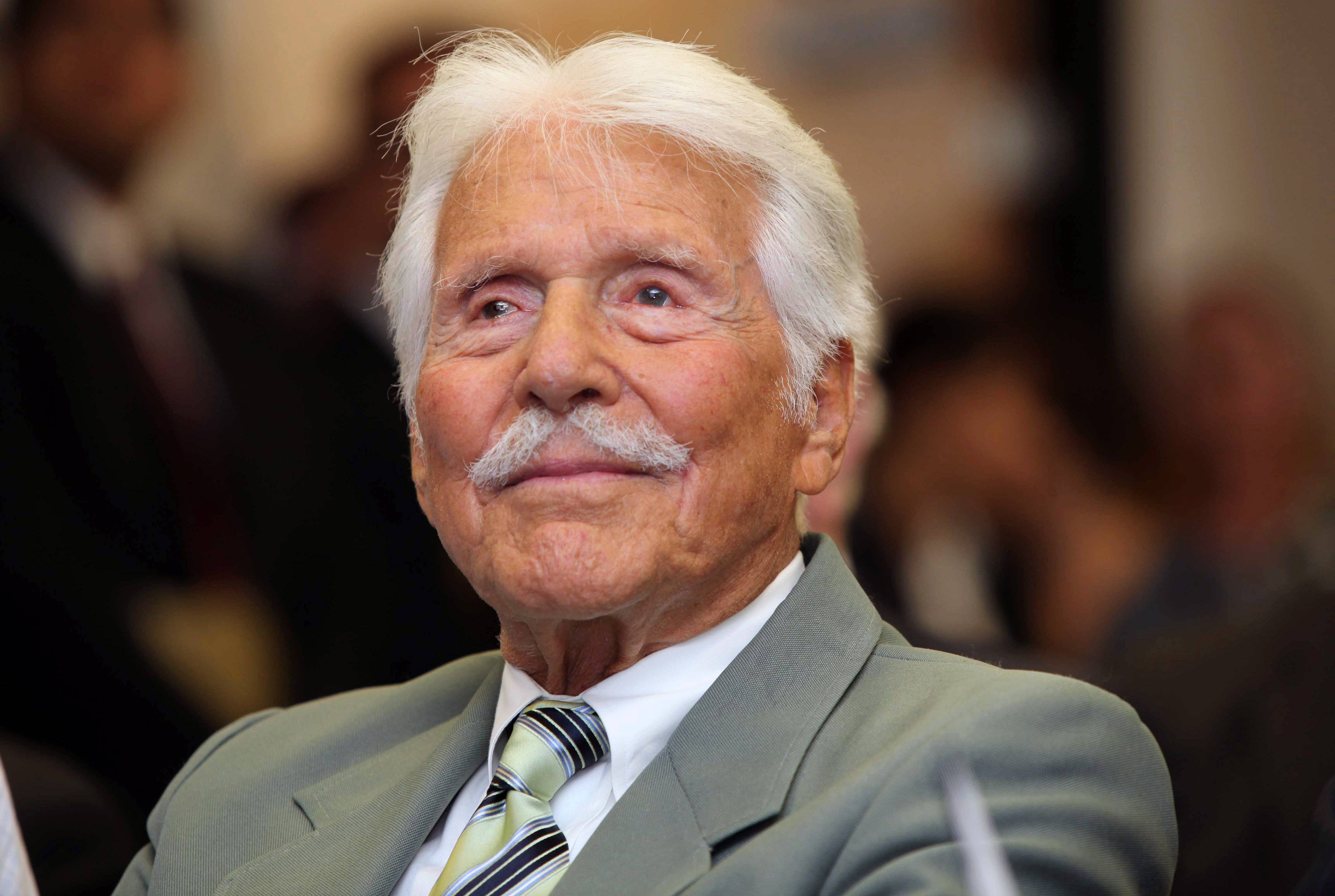 "Actor Efrem Zimbalist Jr. was honored for his historic contributions to the FBI. Zimbalist, the son of famous musicians who gained television stardom in the 1950s-60s hit ""77 Sunset Strip"" and later ""The FBI,"" died Friday at his ranch in Solvang, Calif., at age 95."