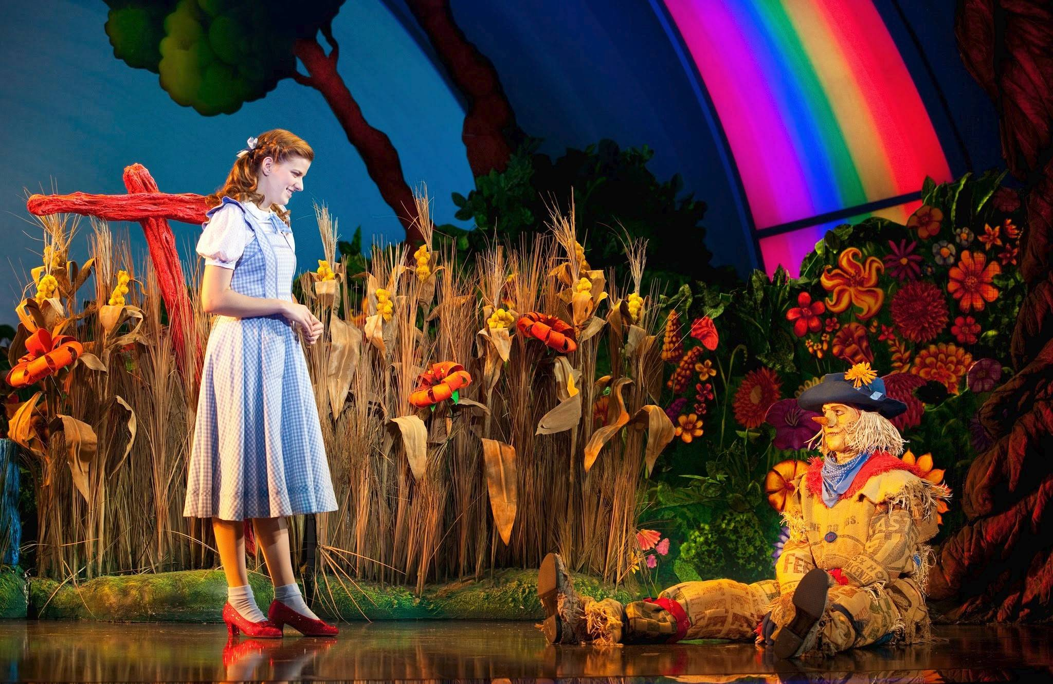 "Dorothy (Danielle Wade) invites the Scarecrow (Jamie McKnight) to journey with her to the Emerald City in the national tour of ""The Wizard of Oz"" now at the Cadillac Palace Theatre in Chicago through Sunday, May 11."