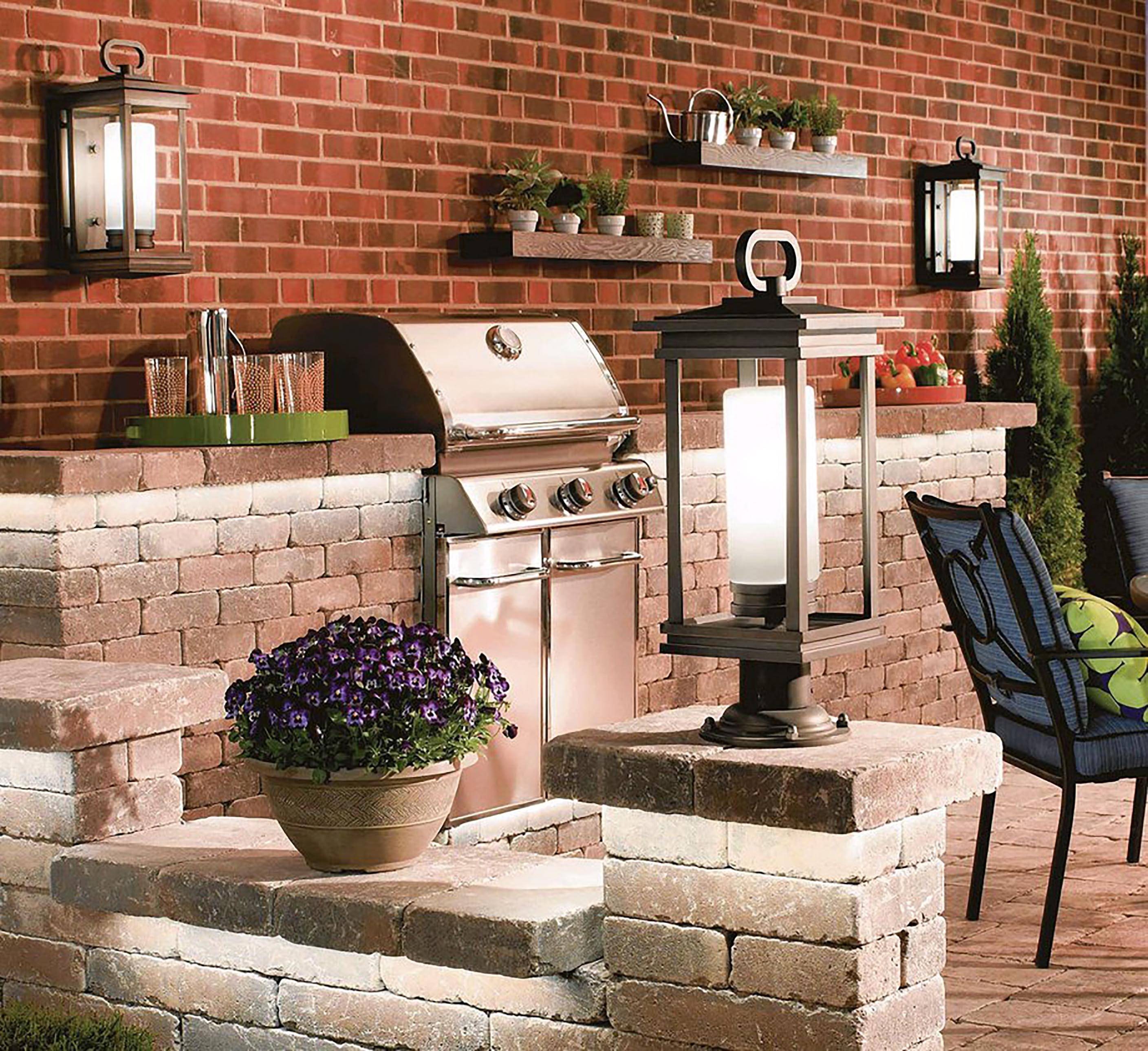 The right lighting can help you enjoy your outdoor living area well into the evening.