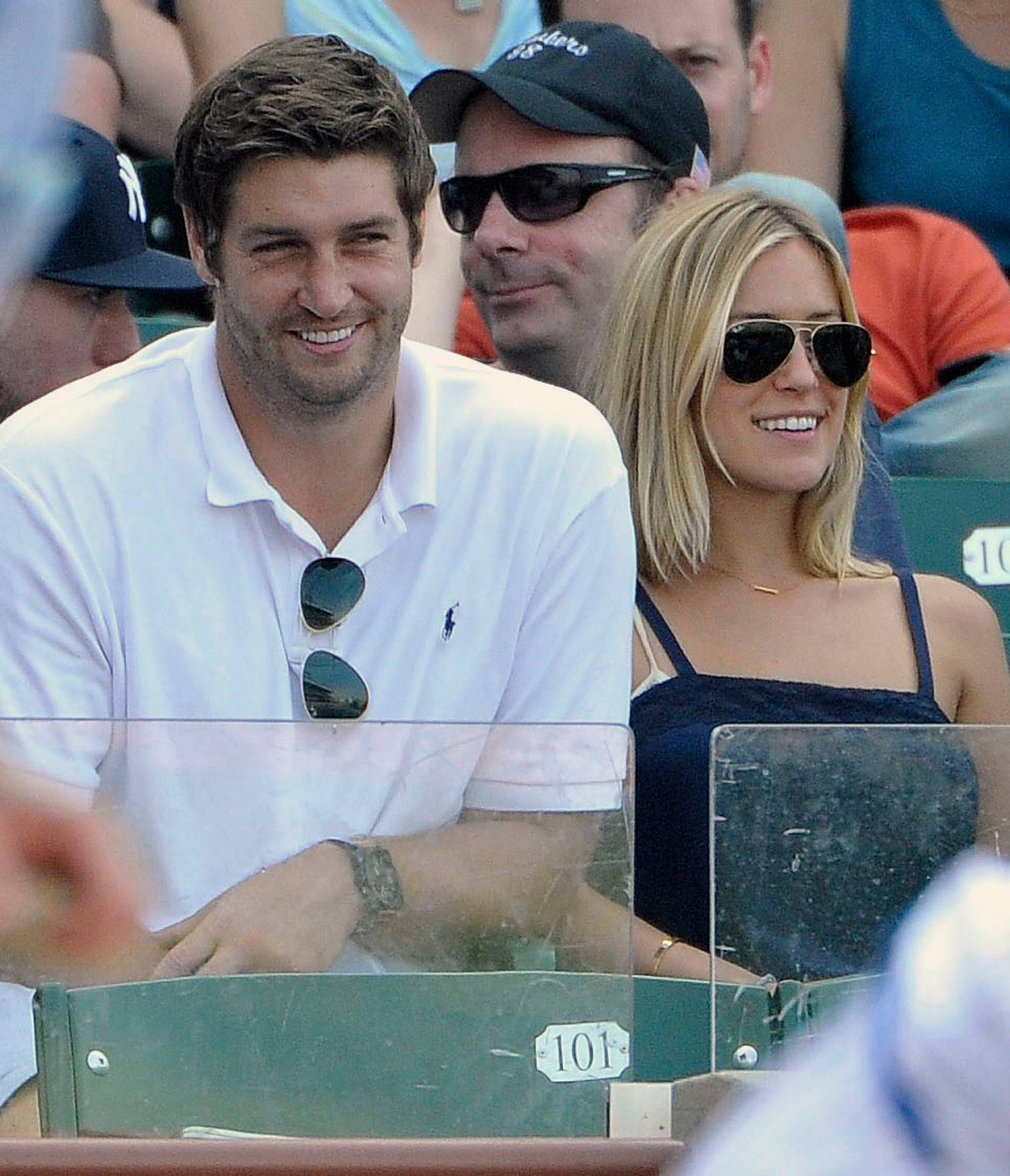 Bears quarterback Jay Cutler and Kristin Cavallari welcomed a second son to their family.