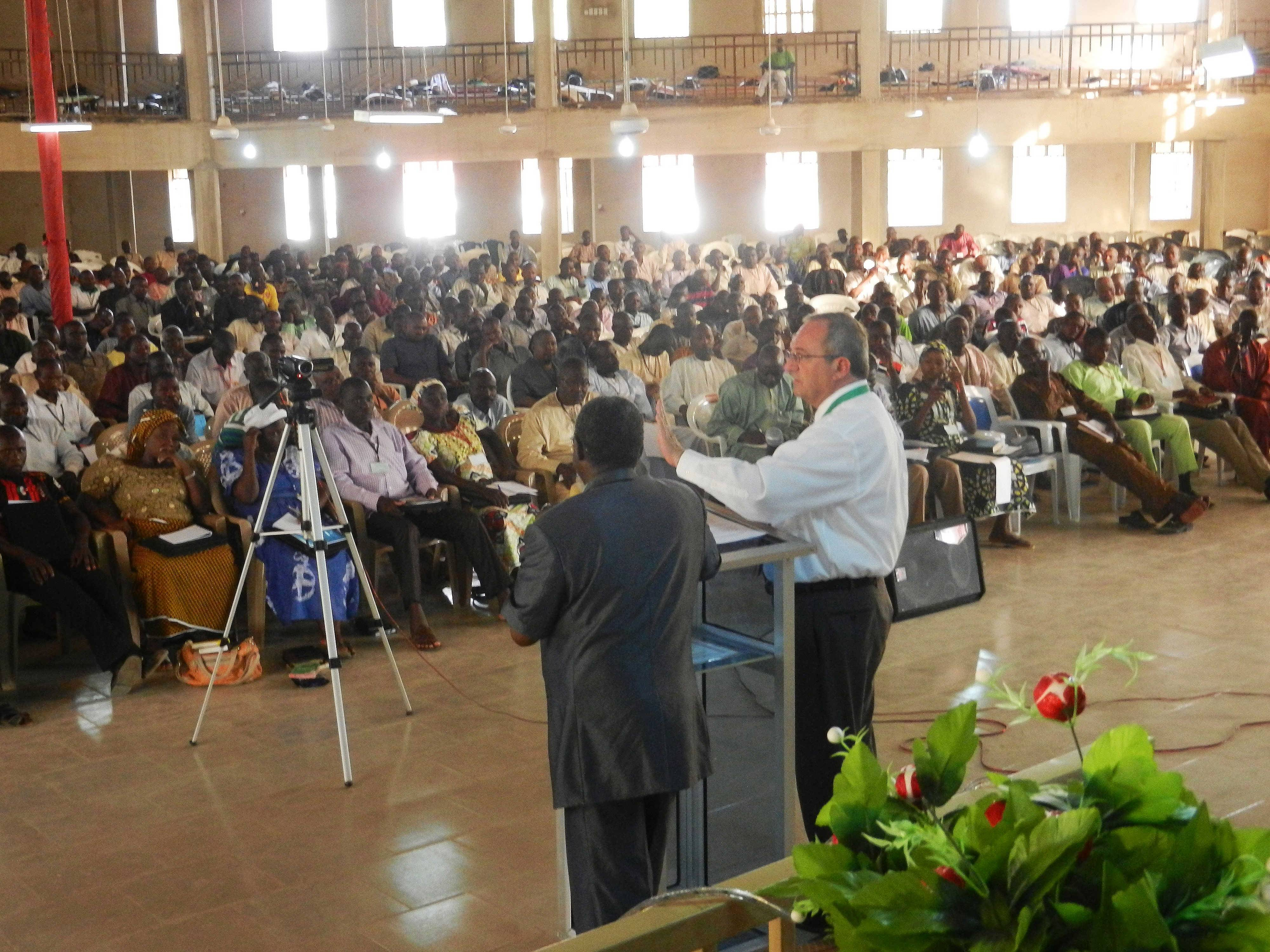 Stanley Noffsinger, general secretary for the Church of the Brethren, speaks the week of April 7 at the annual conference of Ekklesiyar Yan'uwa a Nigeria, the Elgin-based church's sister church in Nigeria.