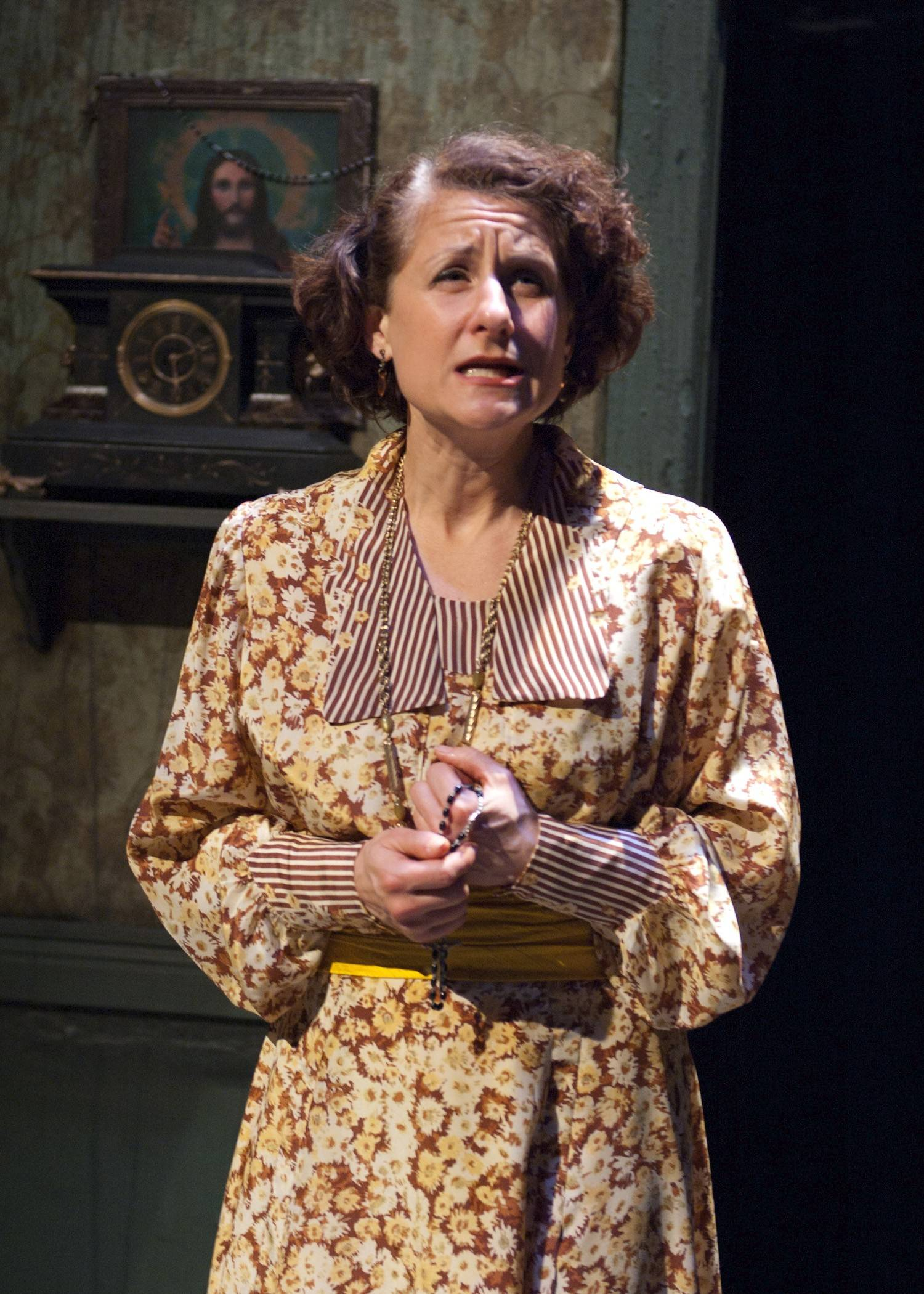 "Broadway veteran Marya Grandy plays the long-suffering matriarch of an impoverished Irish family in TimeLine Theatre's revival of the rarely produced musical ""Juno,"" based on Sean O'Casey's 1924 play ""Juno and the Paycock."""