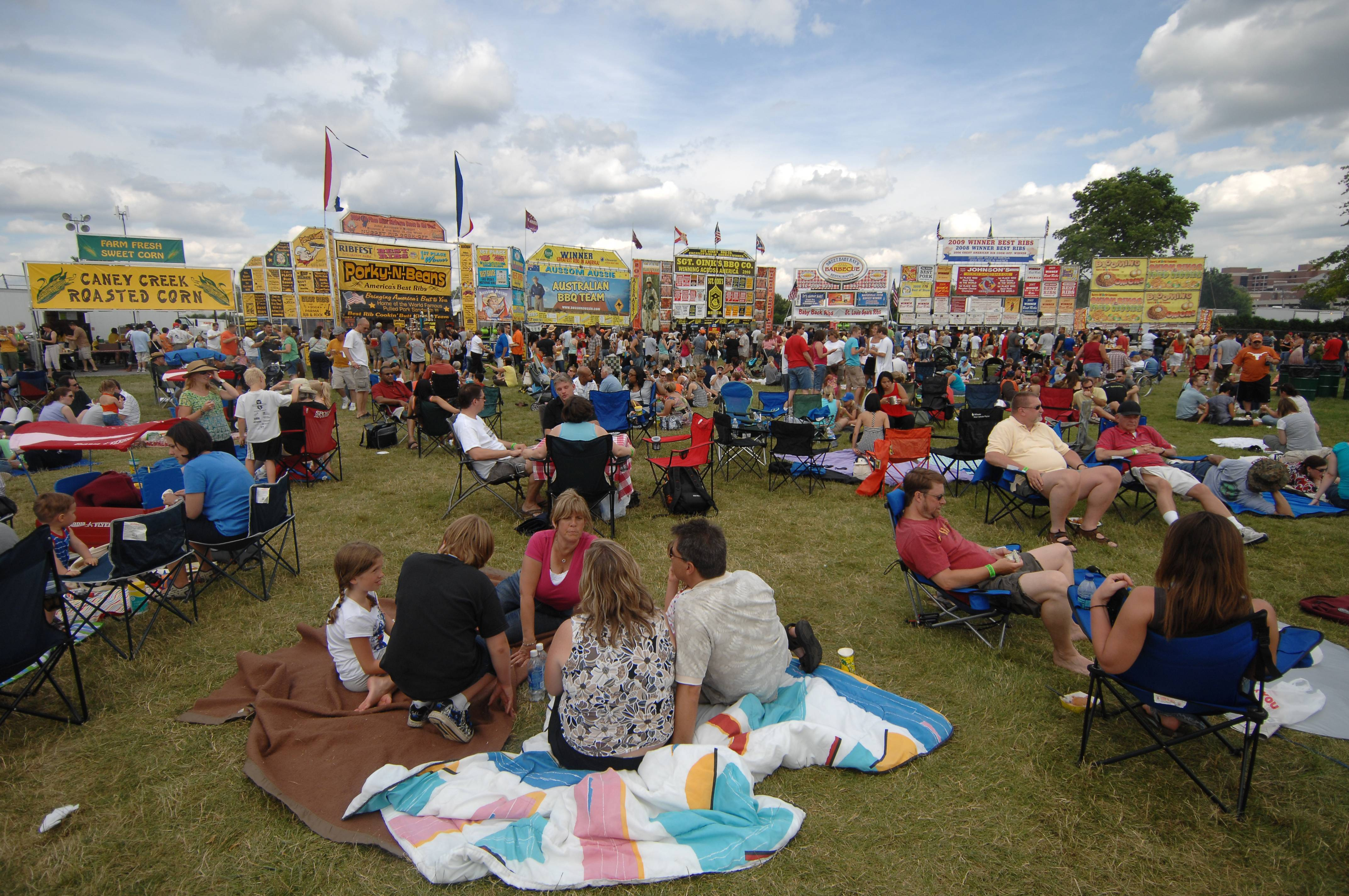 Naperville's Ribfest planning inaugural Hispanic Day