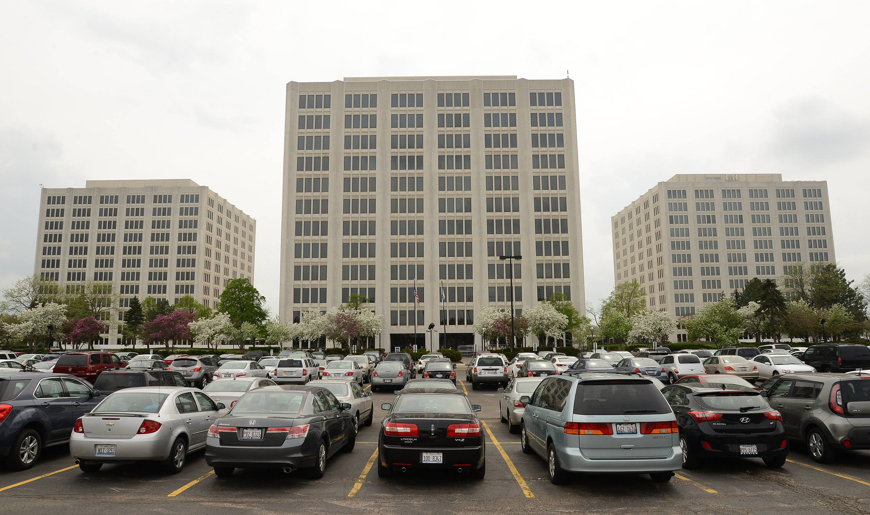 The new owners of Continental Towers in Rolling Meadows plan to refurbish the appearance of the complex, improve the landscaping and build a new parking structure. Rolling Meadows officials hope the changes attract more tenants to the 12-story towers.