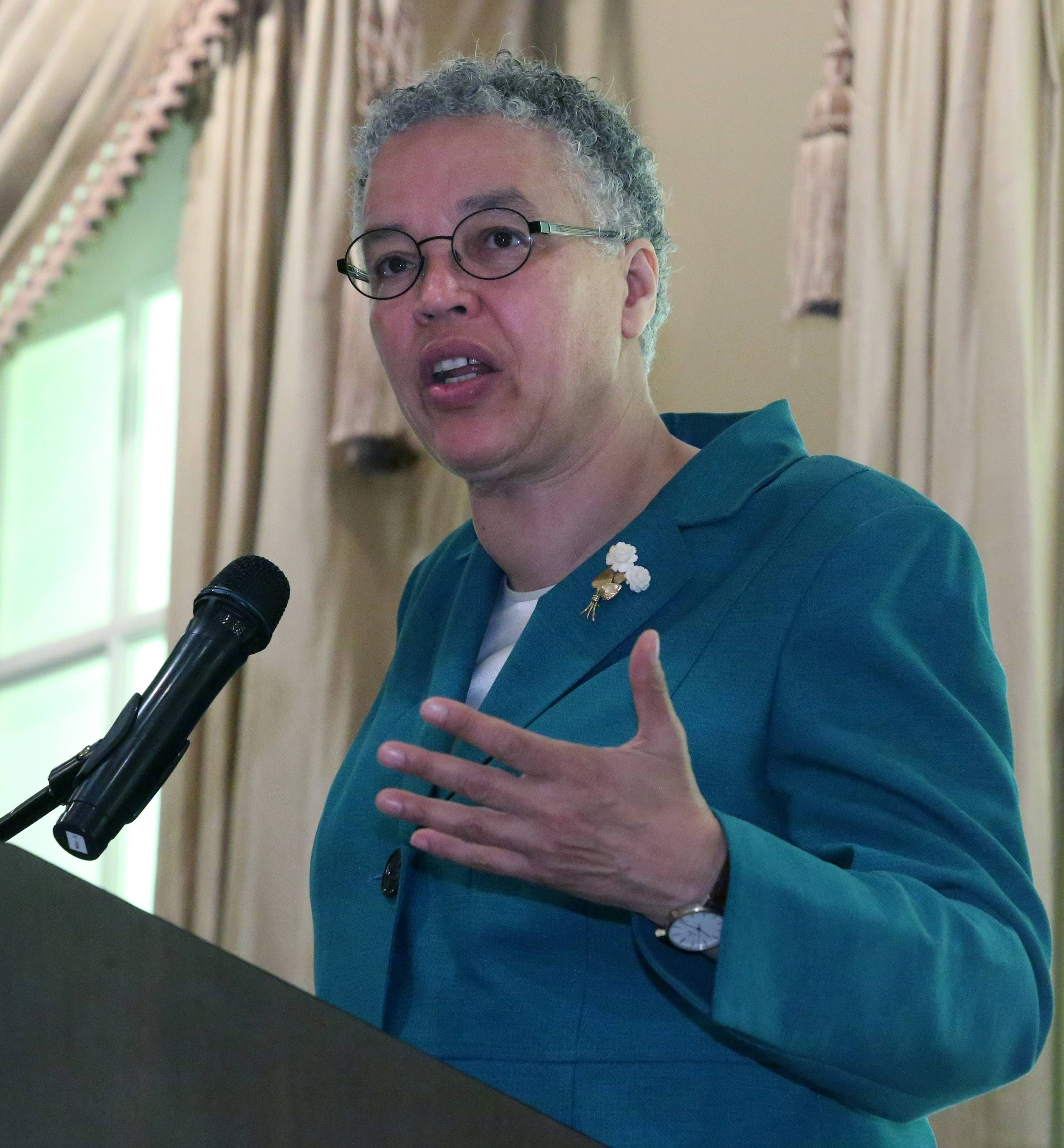Cook County Board President Toni Preckwinkle speaks at a breakfast hosted by 11 suburban chambers of commerce in Palatine.