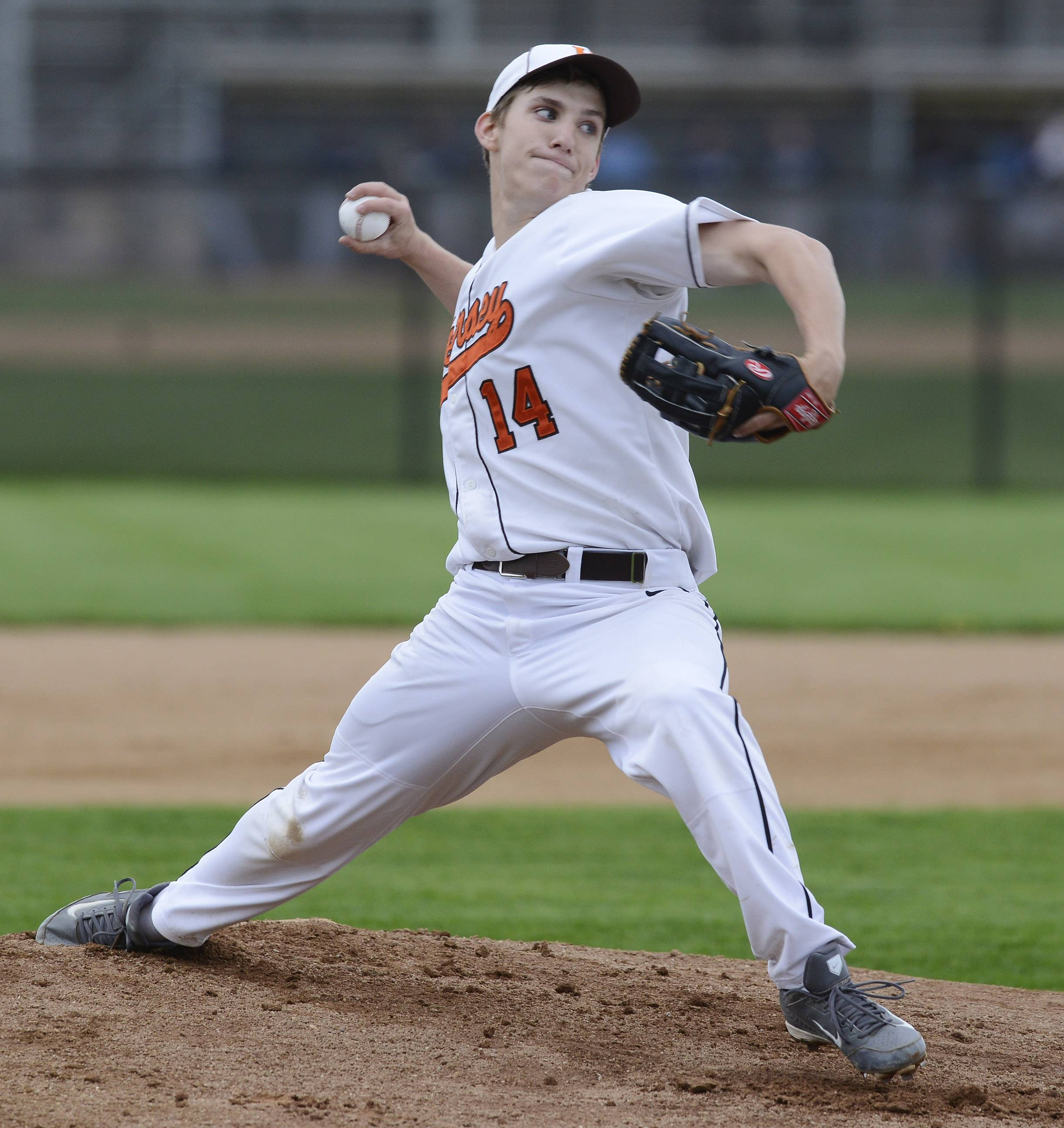 Hersey's Ryan Allain delivers a pitch against Prospect during Wednesday's game in Arlington Heights.