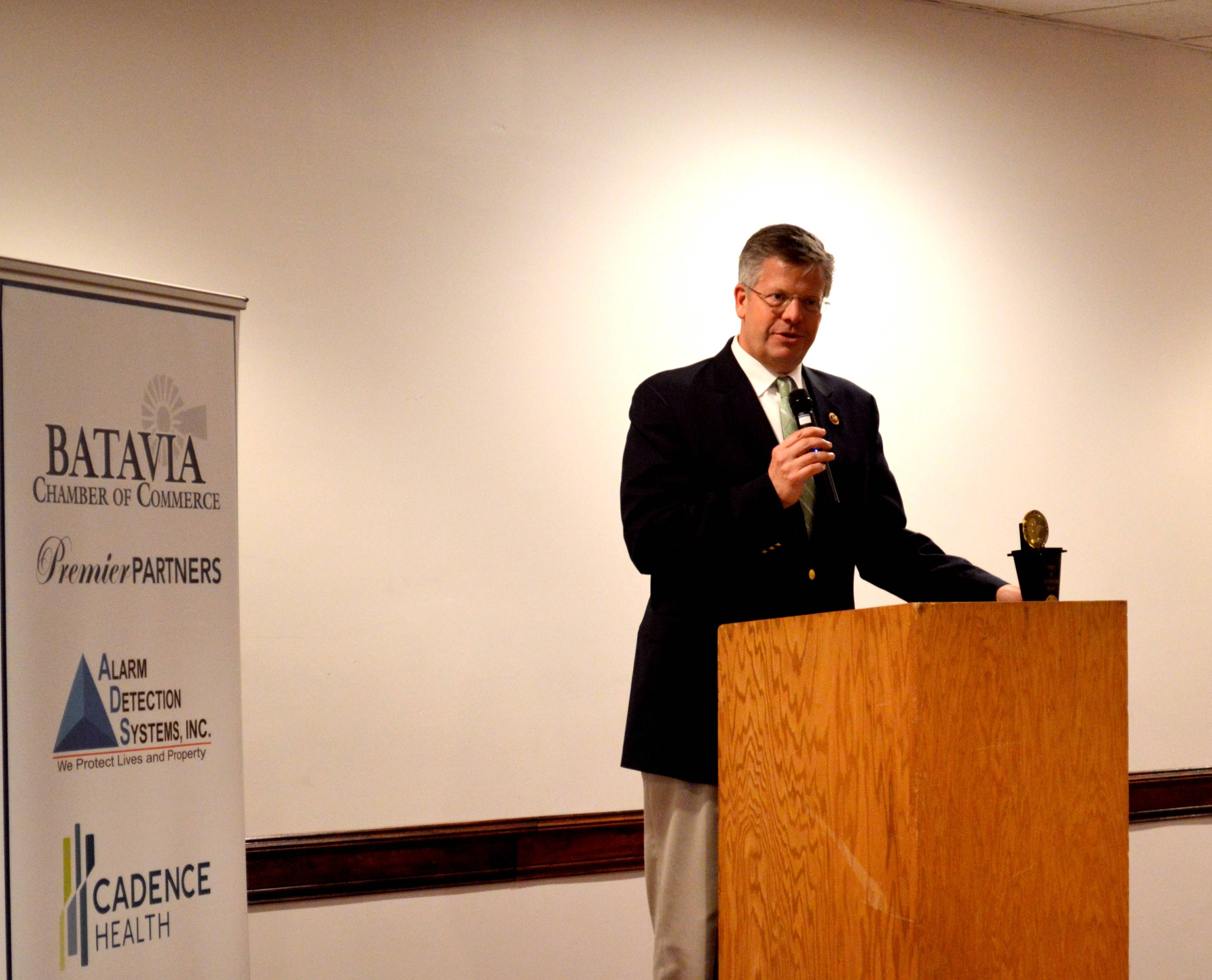 U.S. Rep. Randy Hultgren briefed Batavia constituents on immigration reform, Russian threats about the International Space Station and health care Thursday.