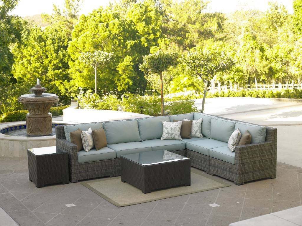 A new sectional set would make the deck more inviting.