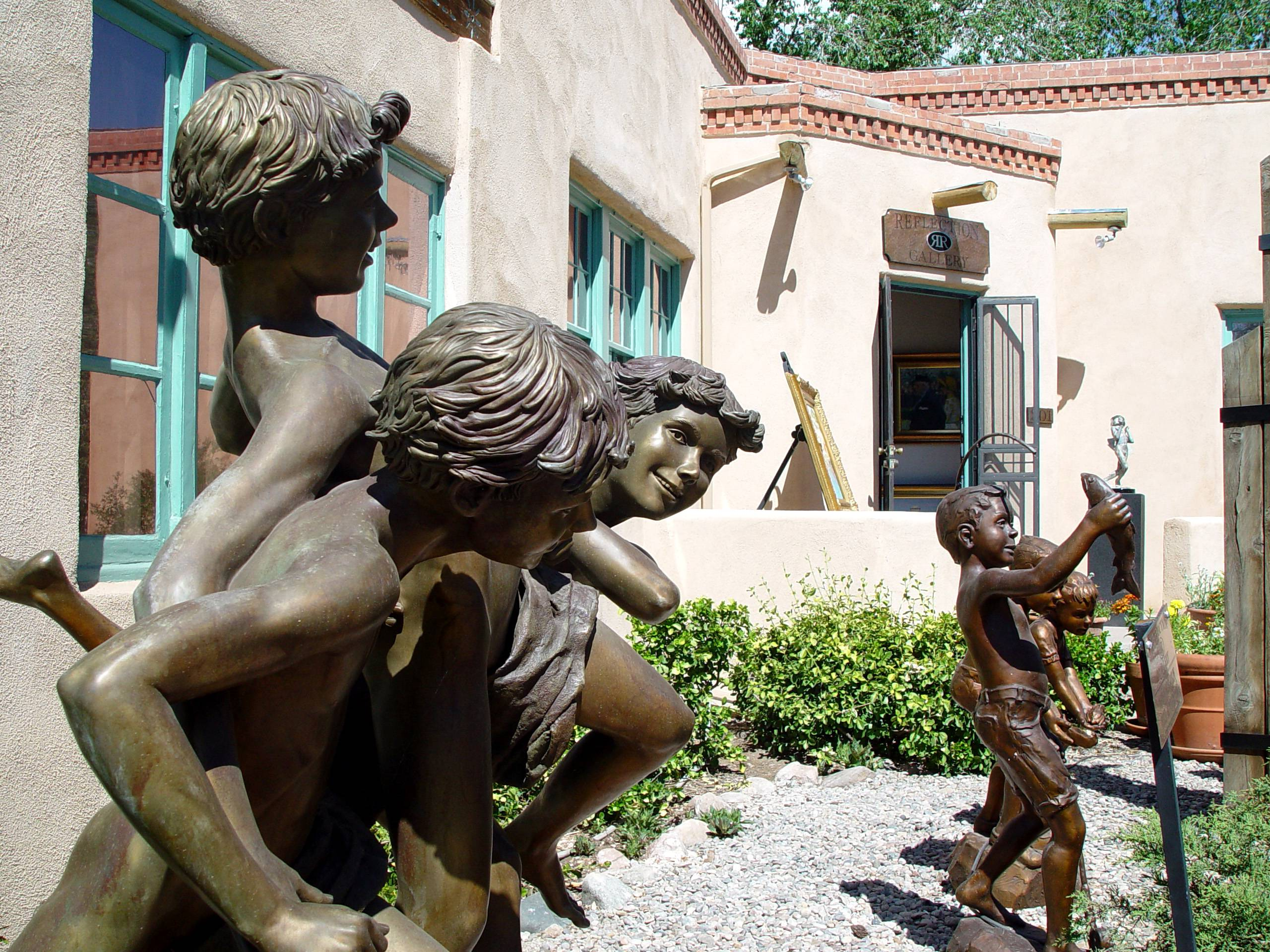 Santa Fe's Canyon Road is home to more than 100 fine art galleries and studios that welcome visitors for free. The galleries feature everything from antiques to traditional Hispanic and Native art and international folk art.