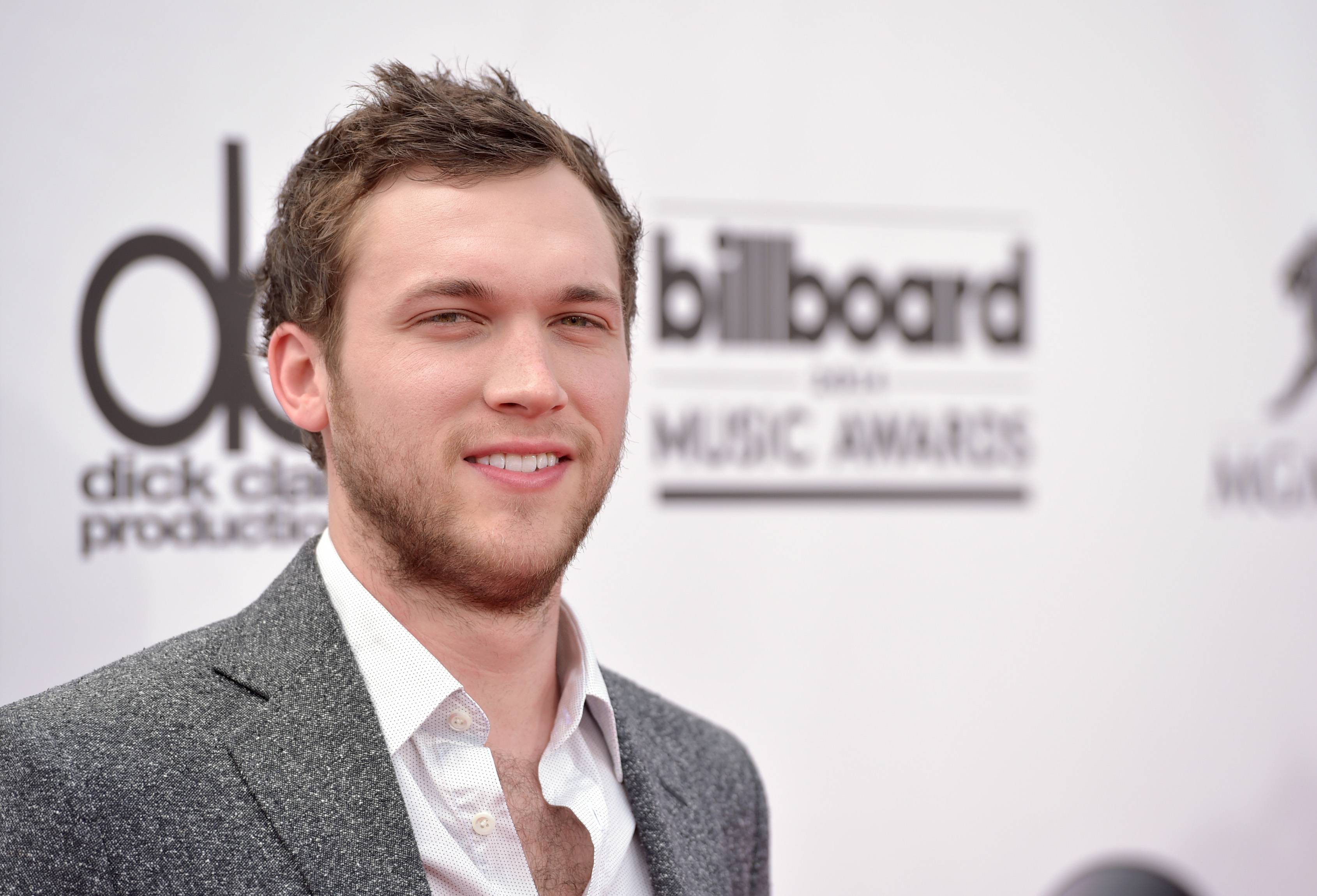 Phillip Phillips arrives at the Billboard Music Awards at the MGM Grand Garden Arena on Sunday, May 18, 2014, in Las Vegas.