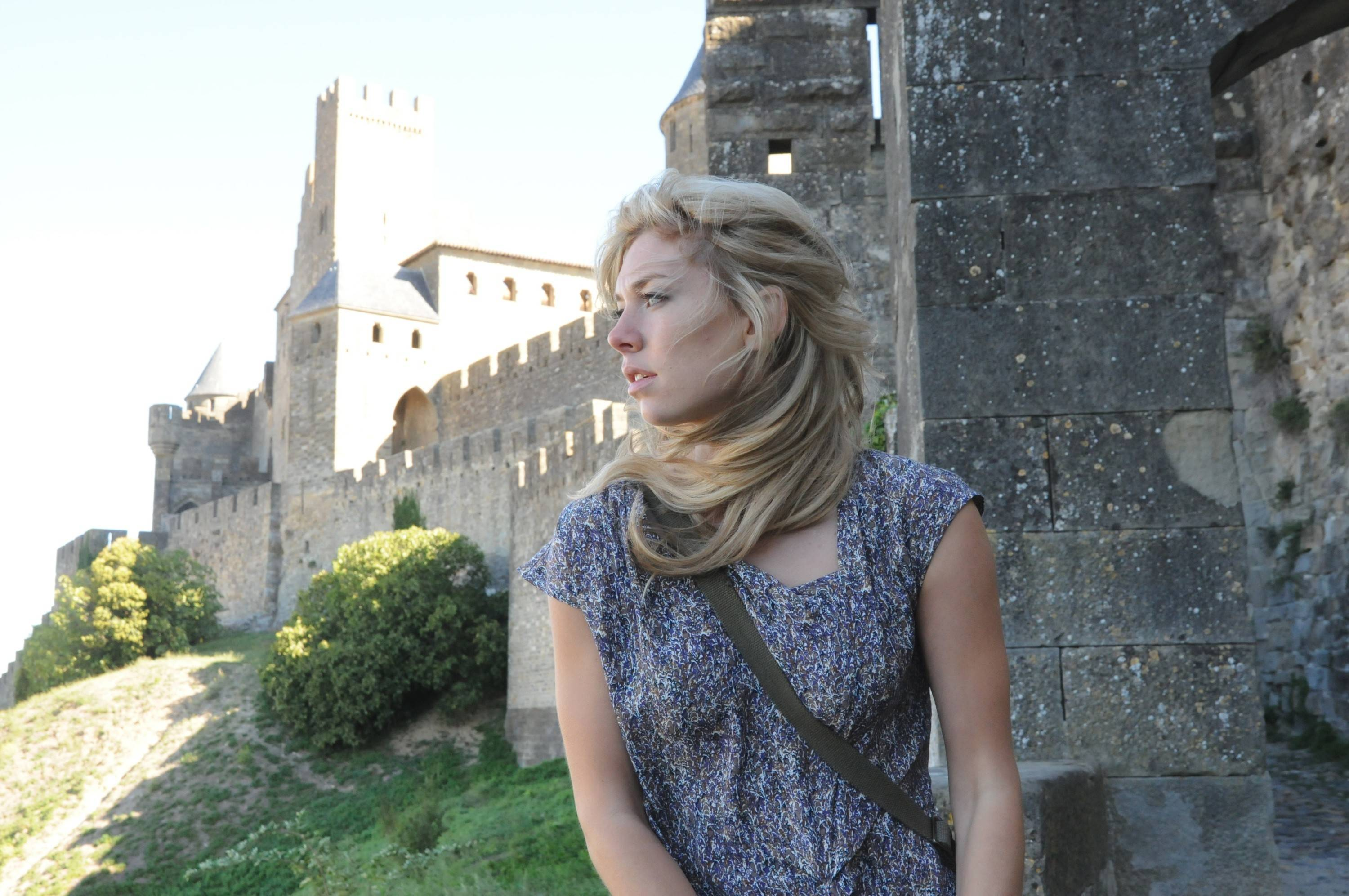 "Alice Tanner (Vanessa Kirby) makes a discovery at an archaeological dig in France that ties her to the past in ""Labyrinth,"" airing on The CW."