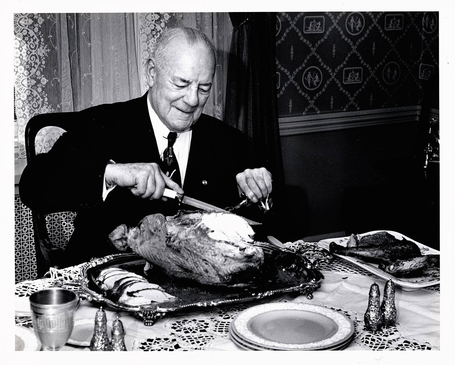 If he lived today Duncan Hines, shown here carving a turkey in 1953, would be the world's most famous food blogger.