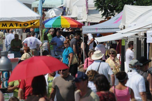 The annual Barrington Art Festival draws a big crowd and a lot of artists.