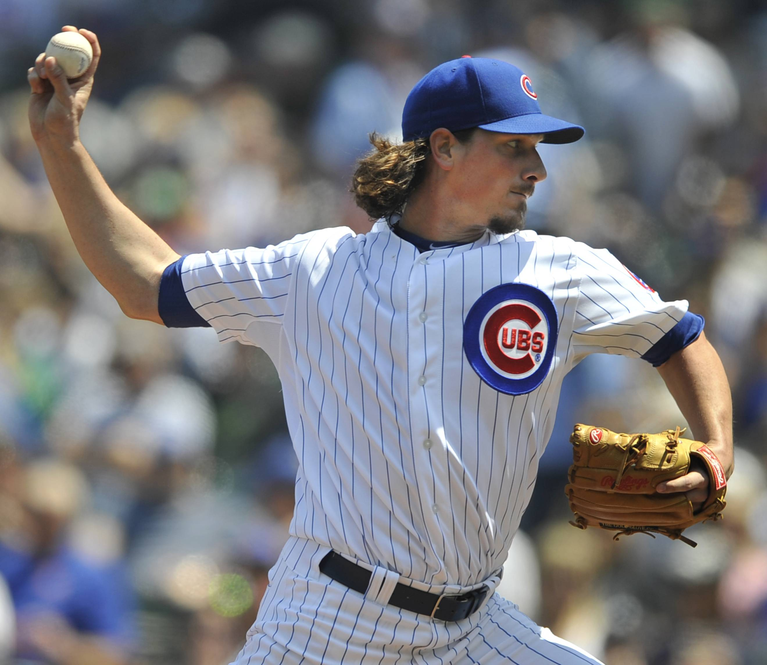 Chicago Cubs starter Jeff Samardzija delivers a pitch during the first inning of an interleague baseball game against the New York Yankees in Chicago, May 21, 2014. (AP Photo/Paul Beaty)