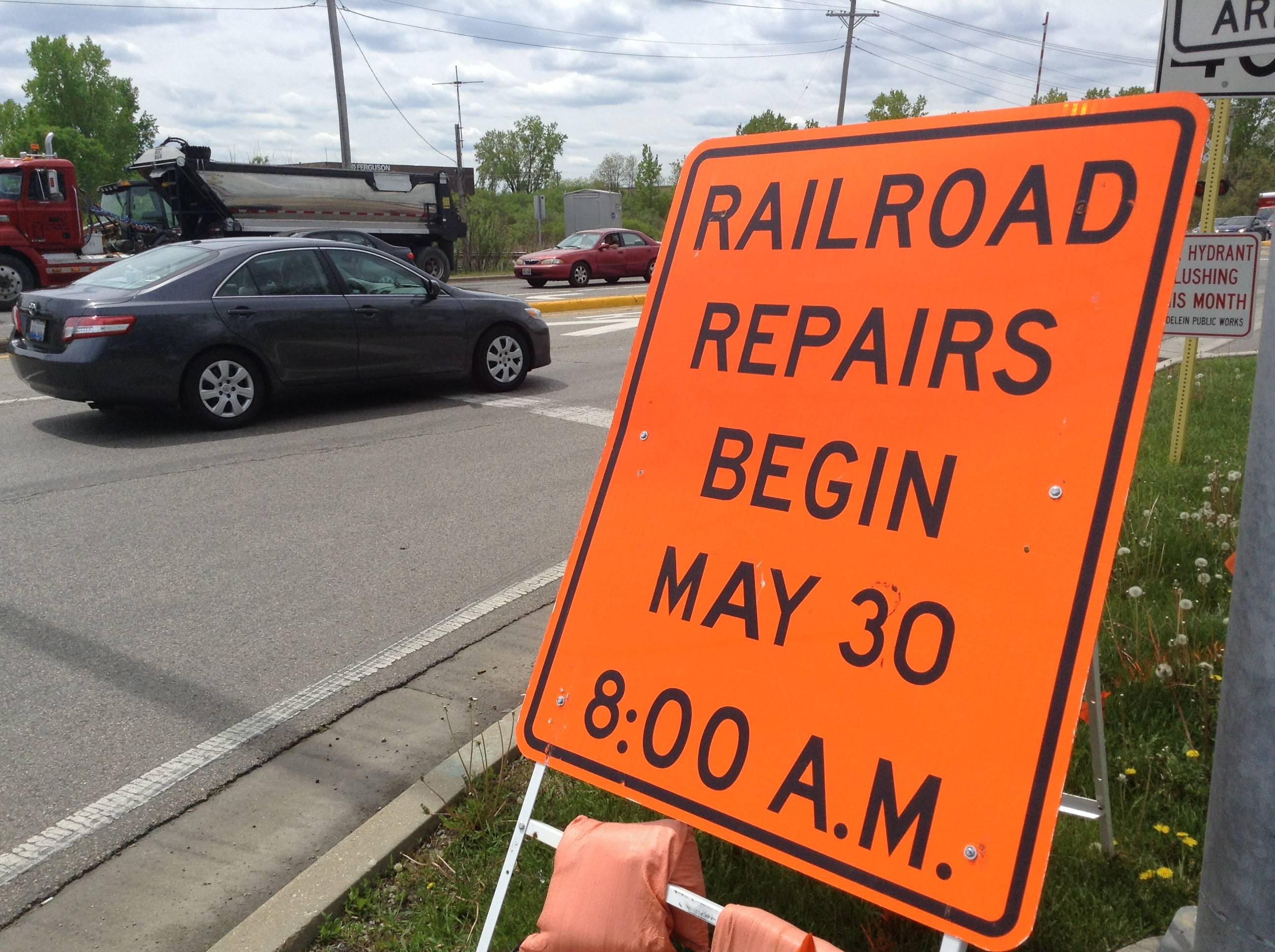 Train crossings on Route 60 and Butterfield Road in Mundelein will be closed starting May 30 for track repairs.