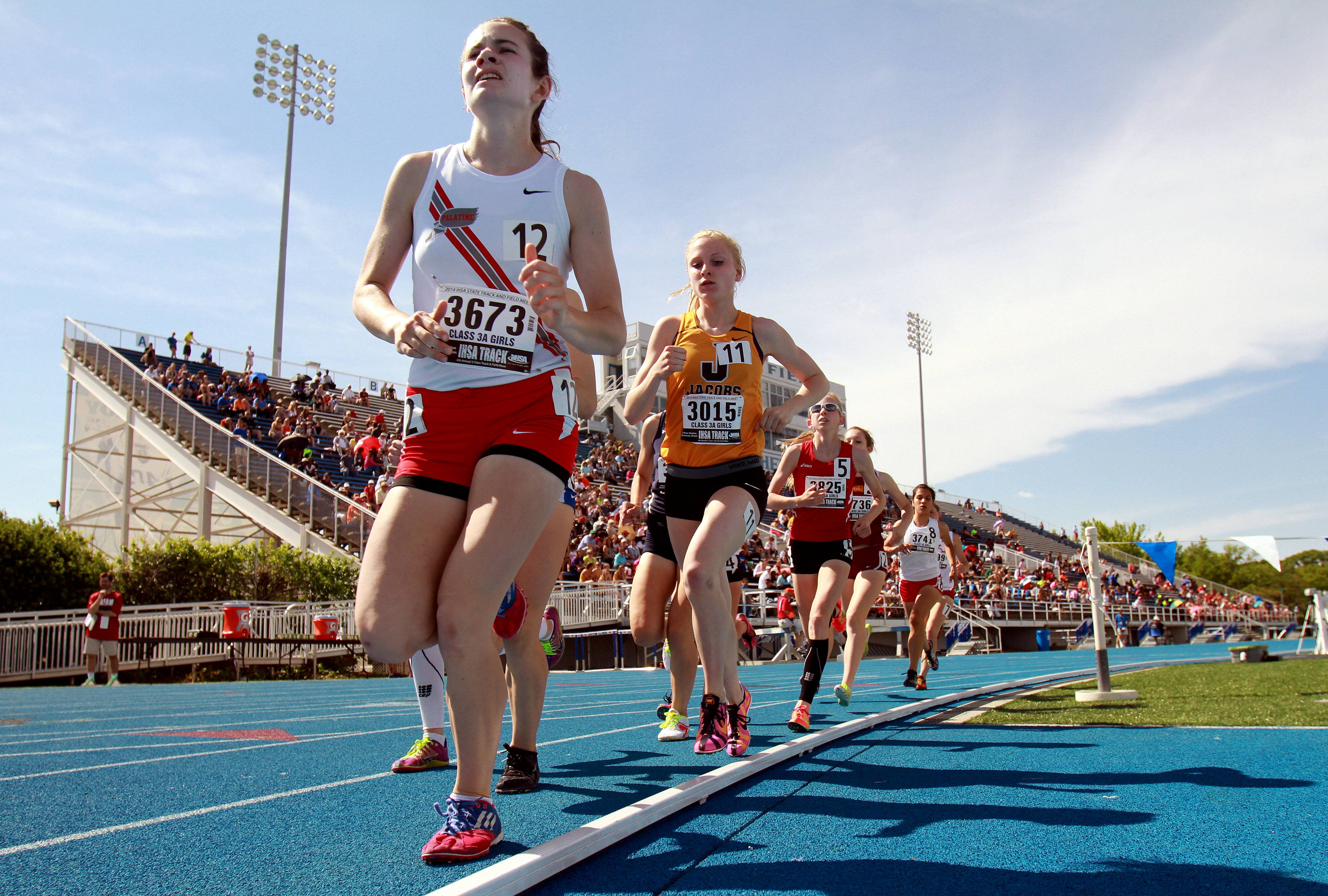 Palatine's Kelly O'Brien leads the pack in the 1,600-meter run during the Class 3A prelims of the girls track and field state meet at Eastern Illinois University in Charleston on Friday.