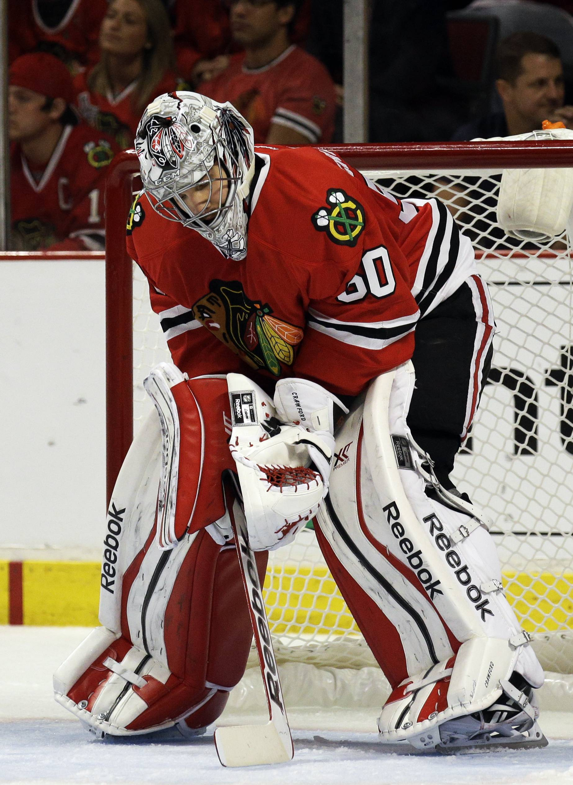 Blackhawks goalie Corey Crawford will try to bounce back when the Hawks play the Kings in Los Angeles on Saturday.