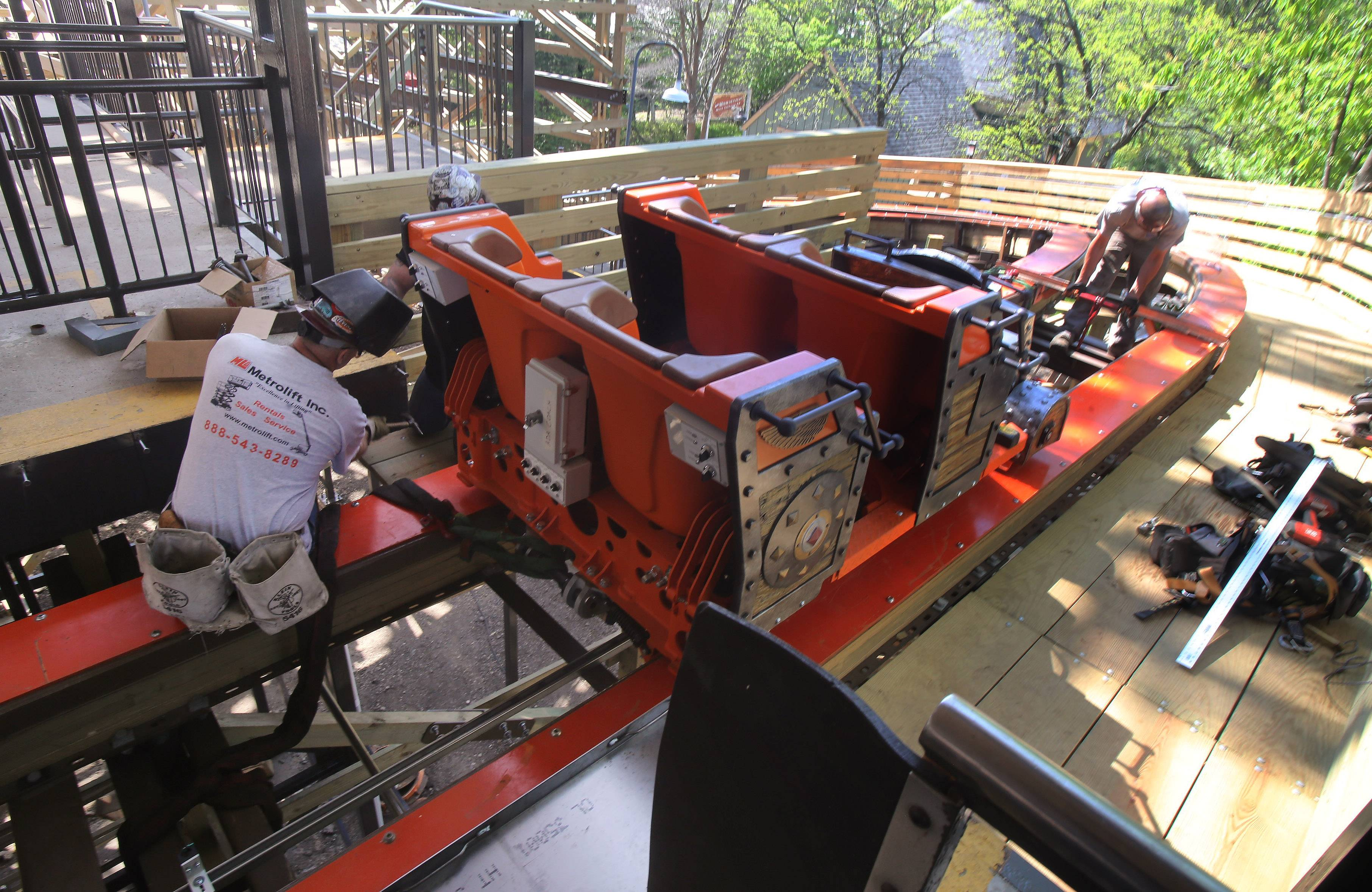 Six Flags vows smooth ride on new wooden coaster