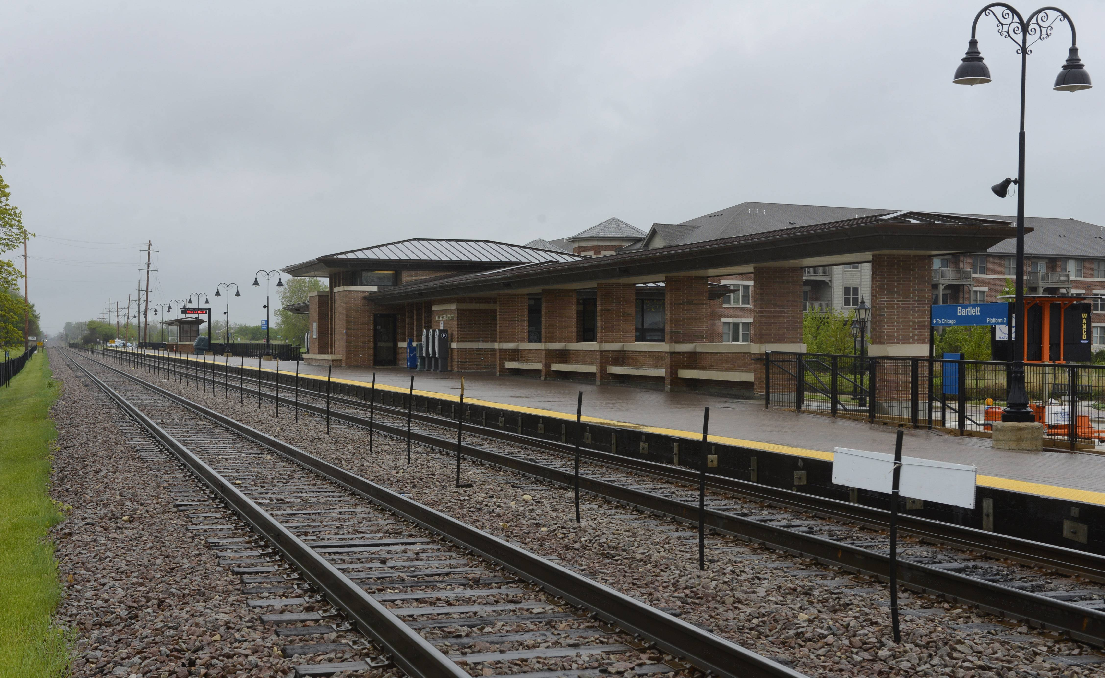 In informal talks, Metra says the village would be stuck with a bill to reconfigure the platforms, officials say.
